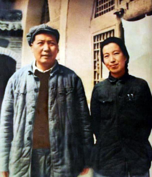 Mao and Jiang Qing, 1946