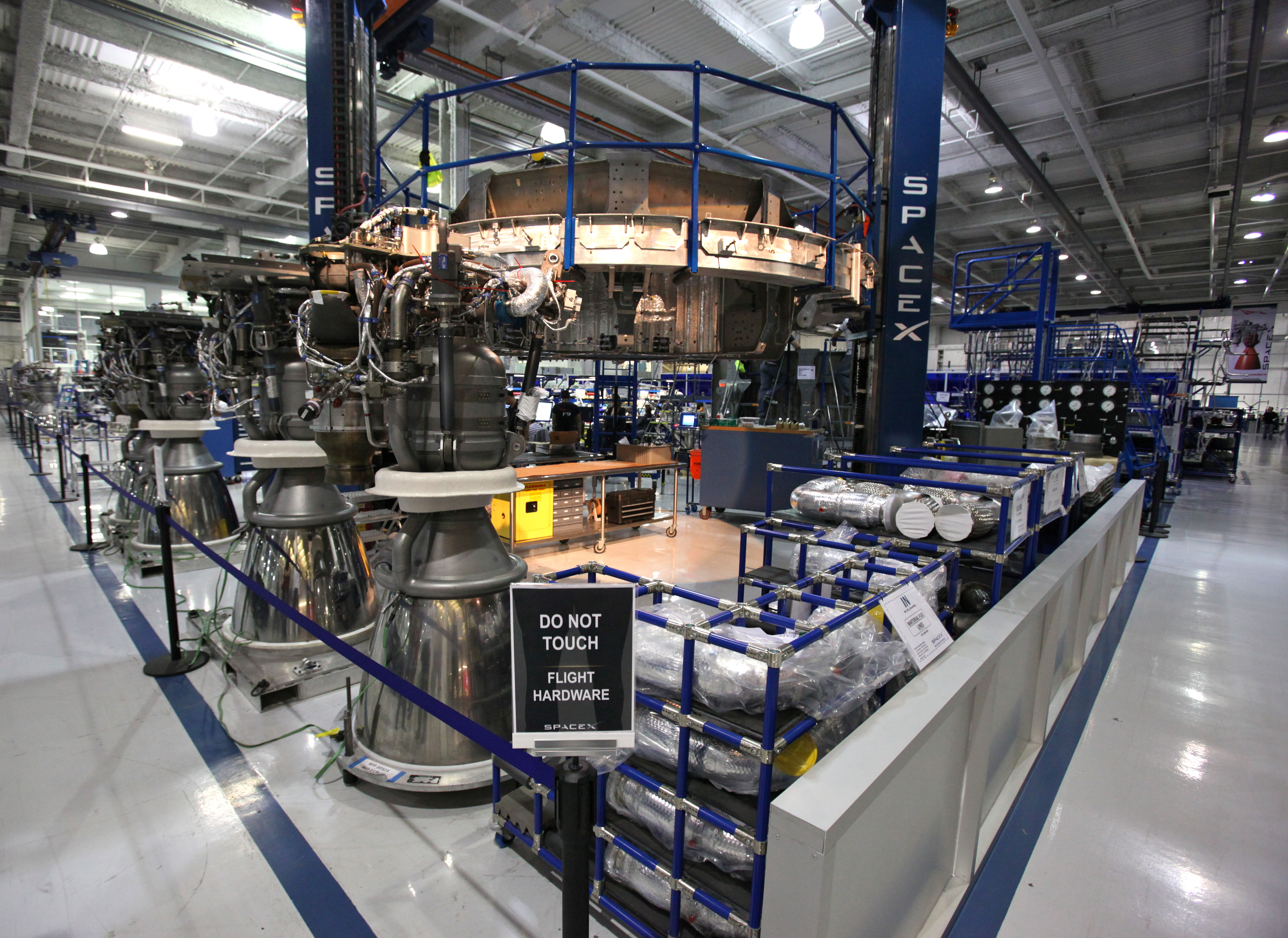 inside spacex factory - photo #28