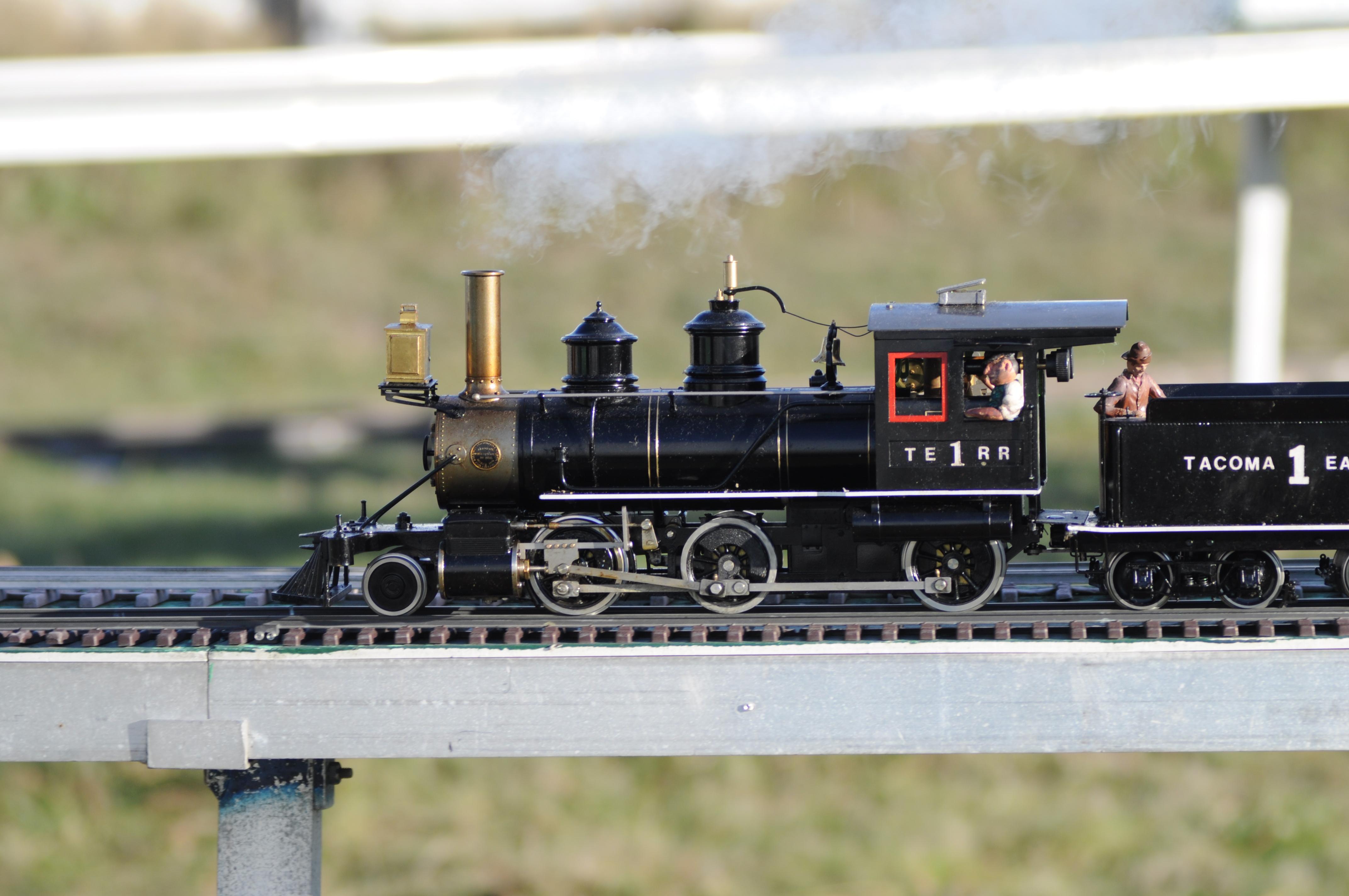 Model steam train engines