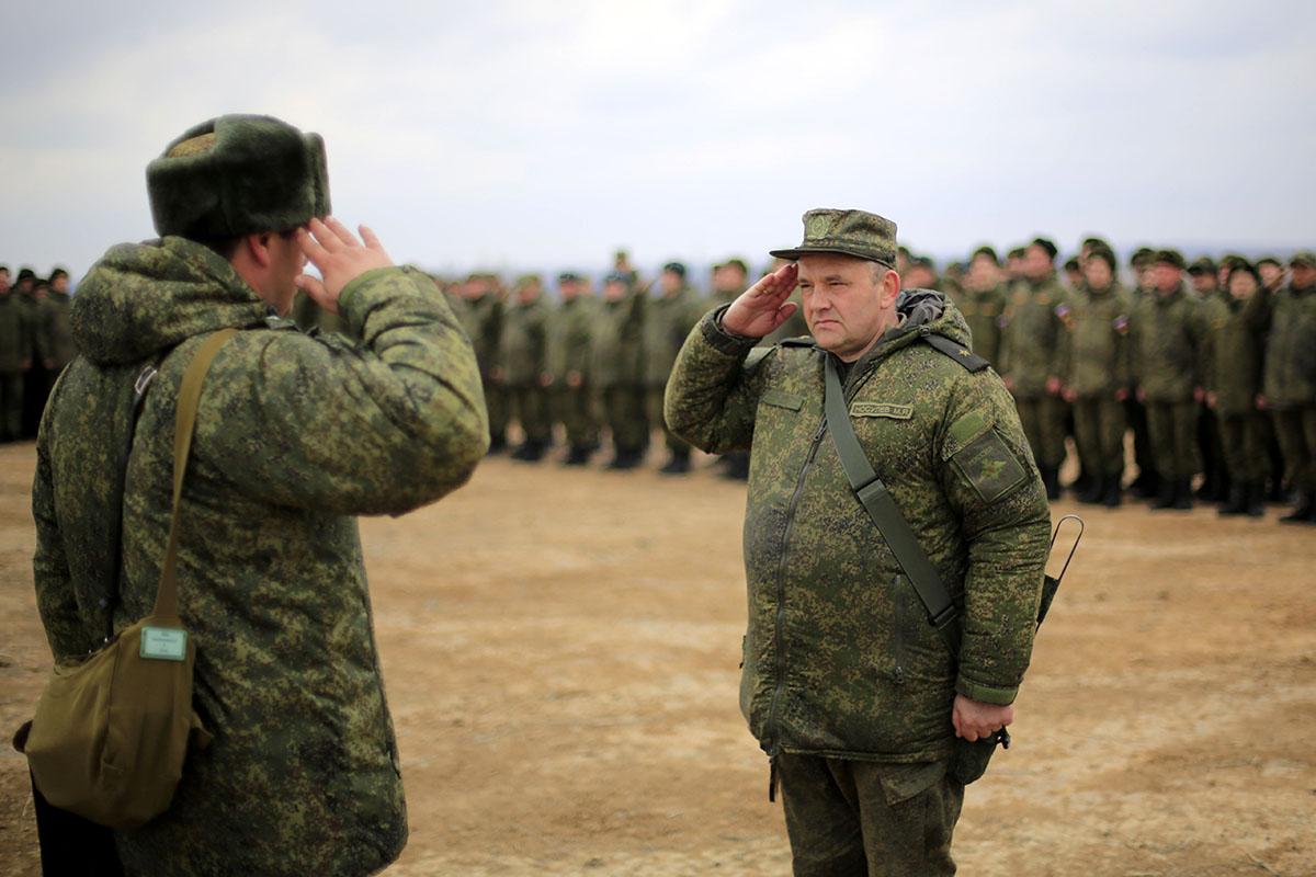 https://upload.wikimedia.org/wikipedia/commons/e/e0/Nosulev_Mikhail.jpg
