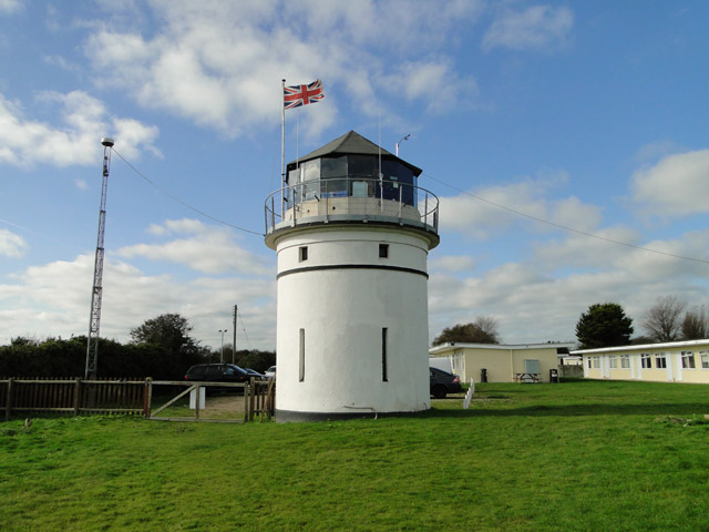 Old lighthouse at Crazy Mary's Hole geograph - 4221270