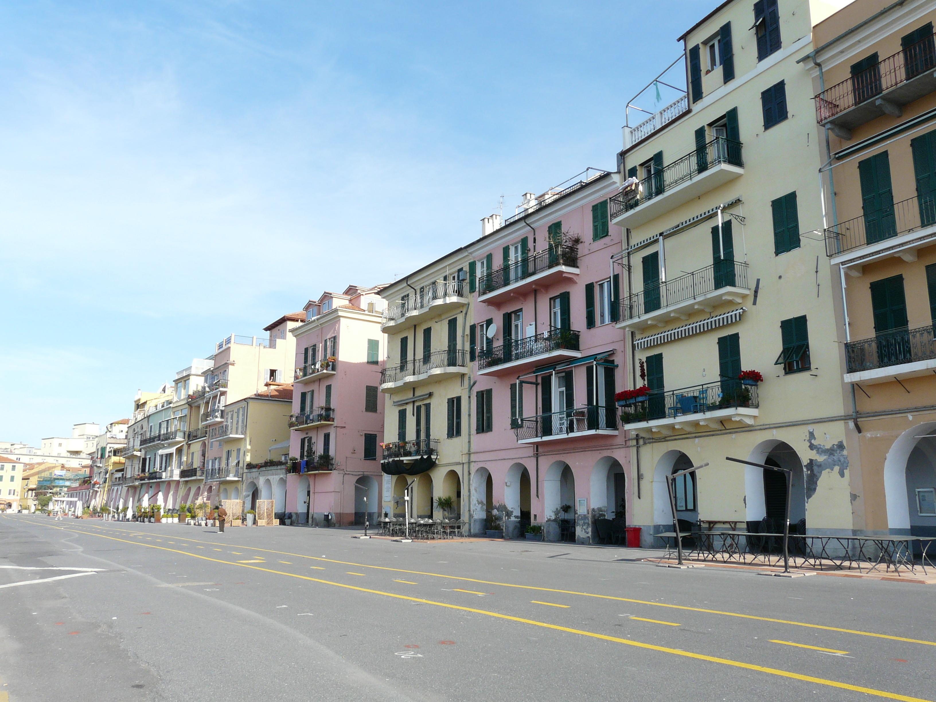 File oneglia calata wikimedia commons for Oneglia imperia