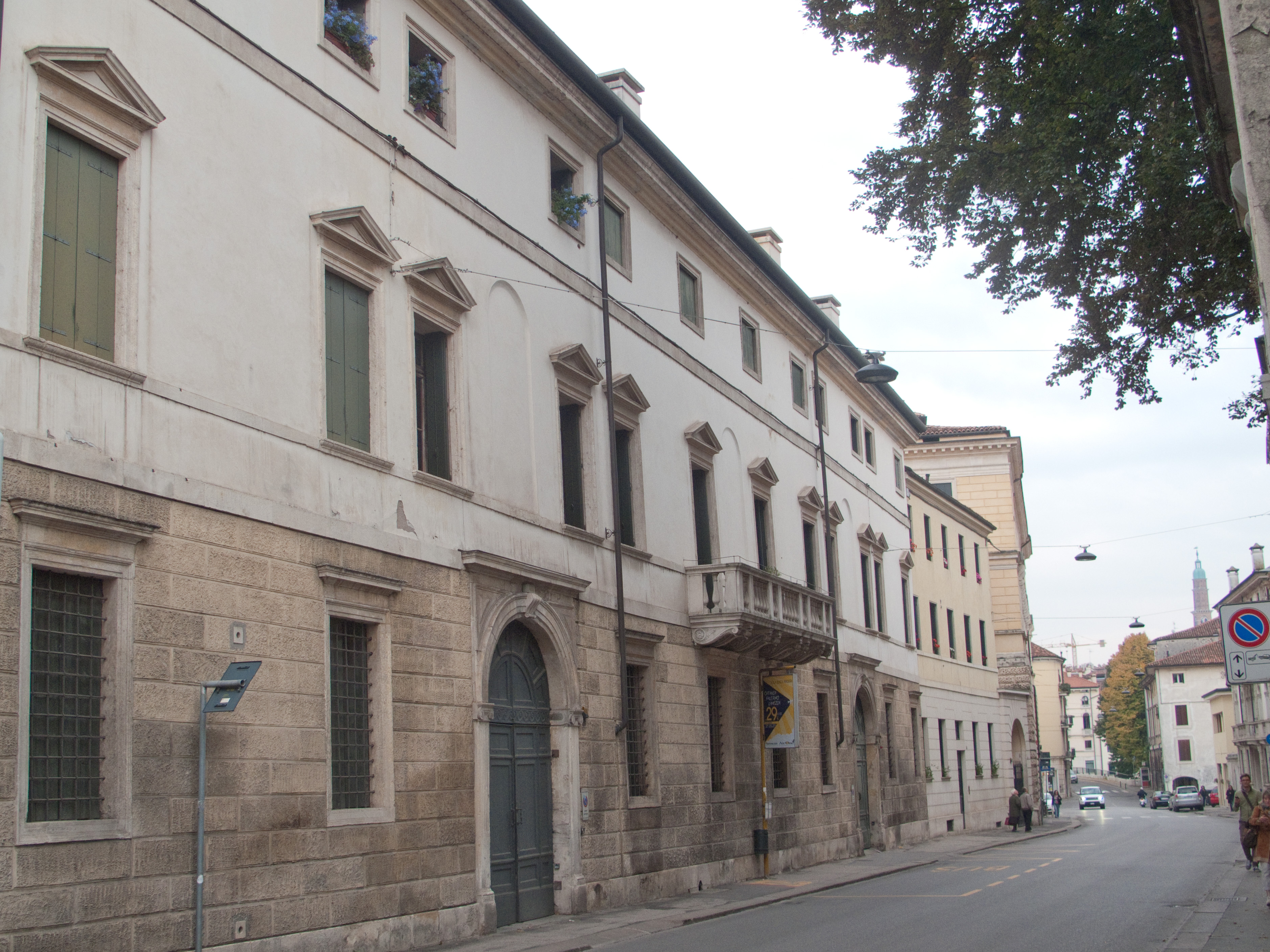 Palazzo Capra Querini
