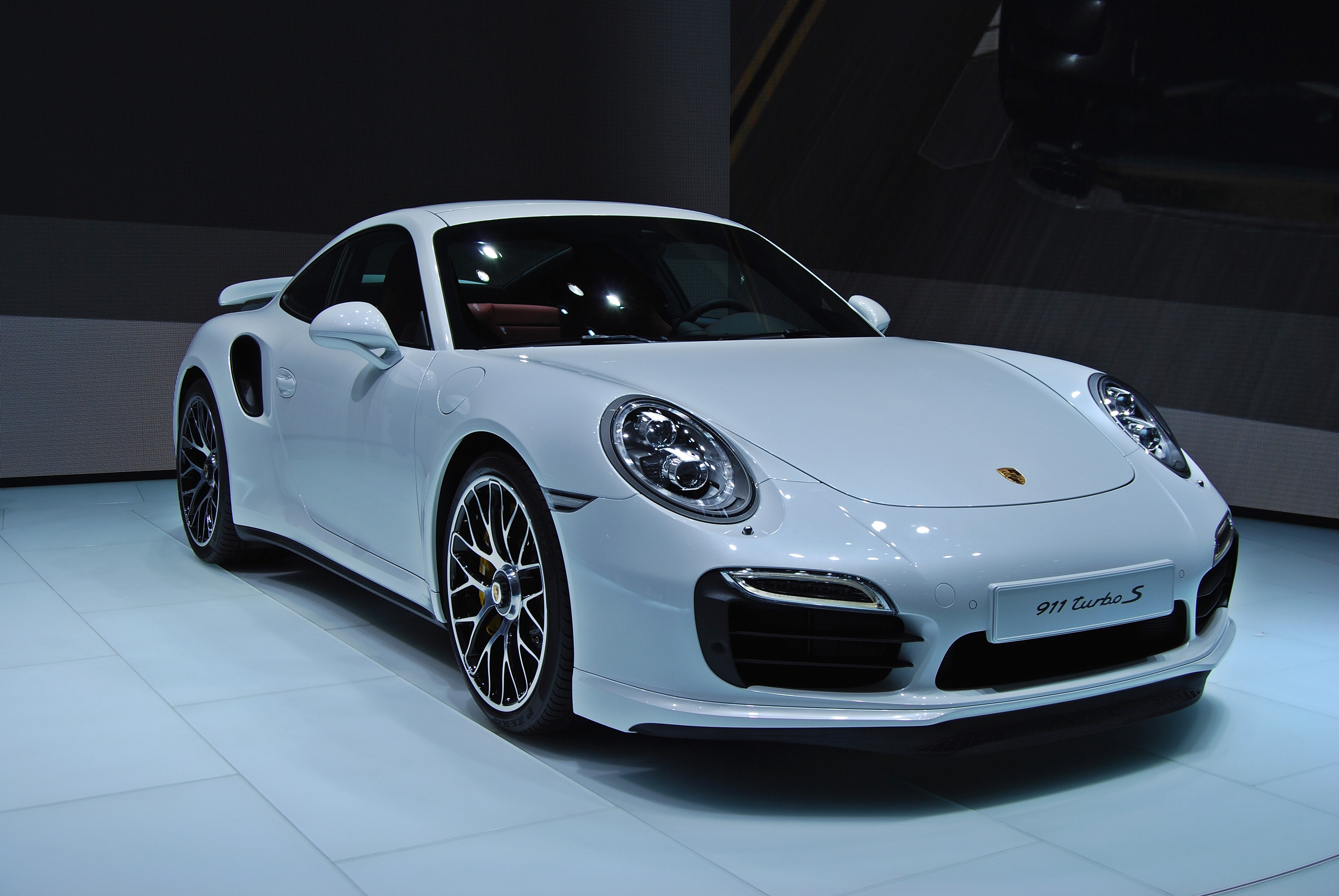 Porsche 911 Turbo 2013 White