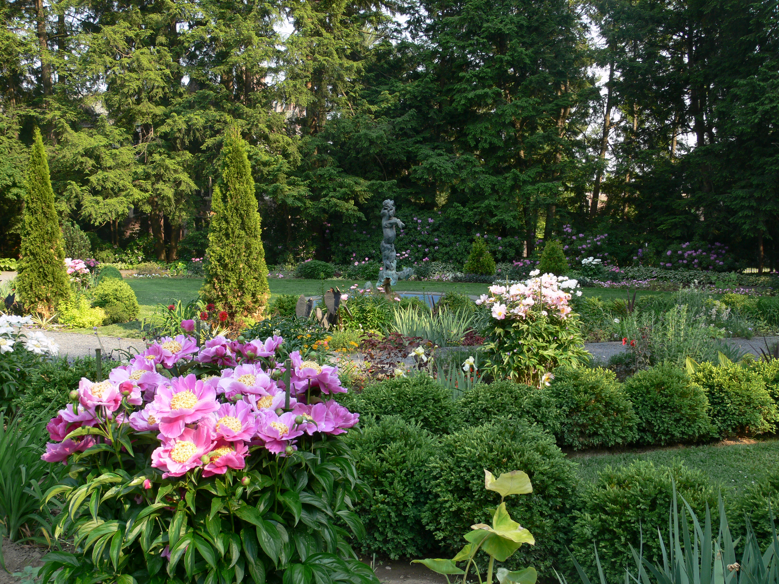 File prospect garden flower garden 2 for Flower landscape