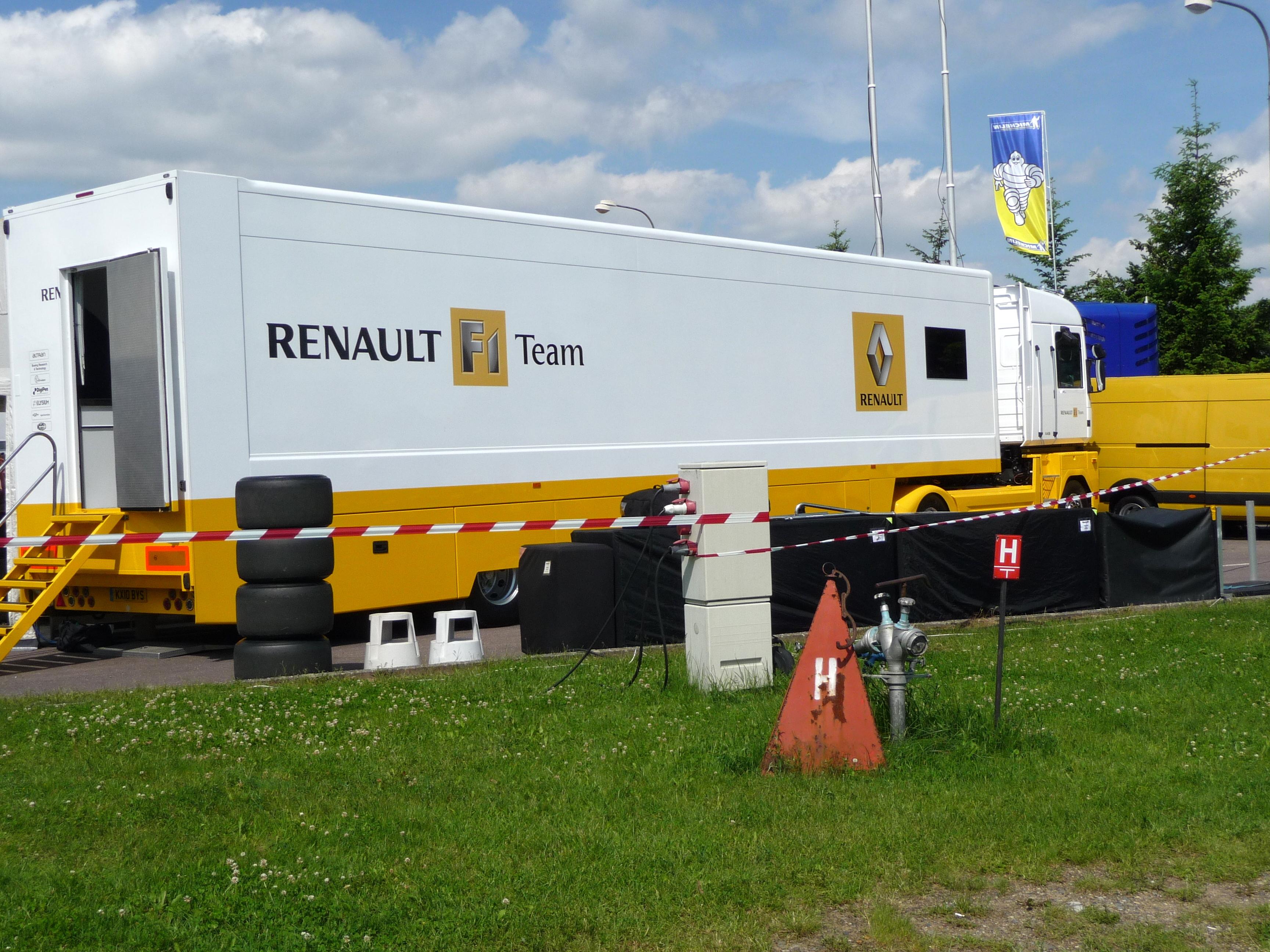 Renault Magnum f1 Team File:renault f1 Team Garage