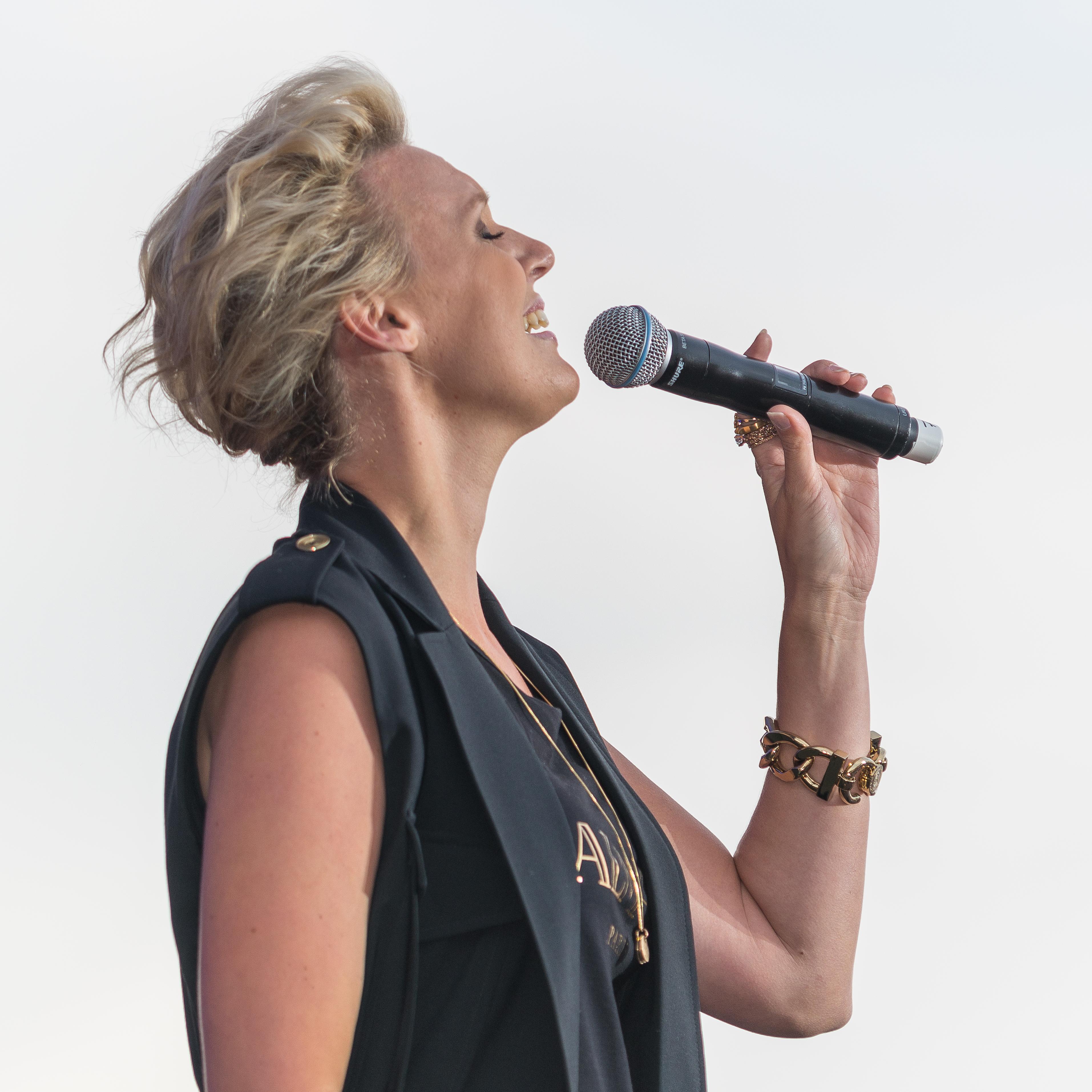 Sanna Nielsen: File:Sanna Nielsen 2015 1148.jpg