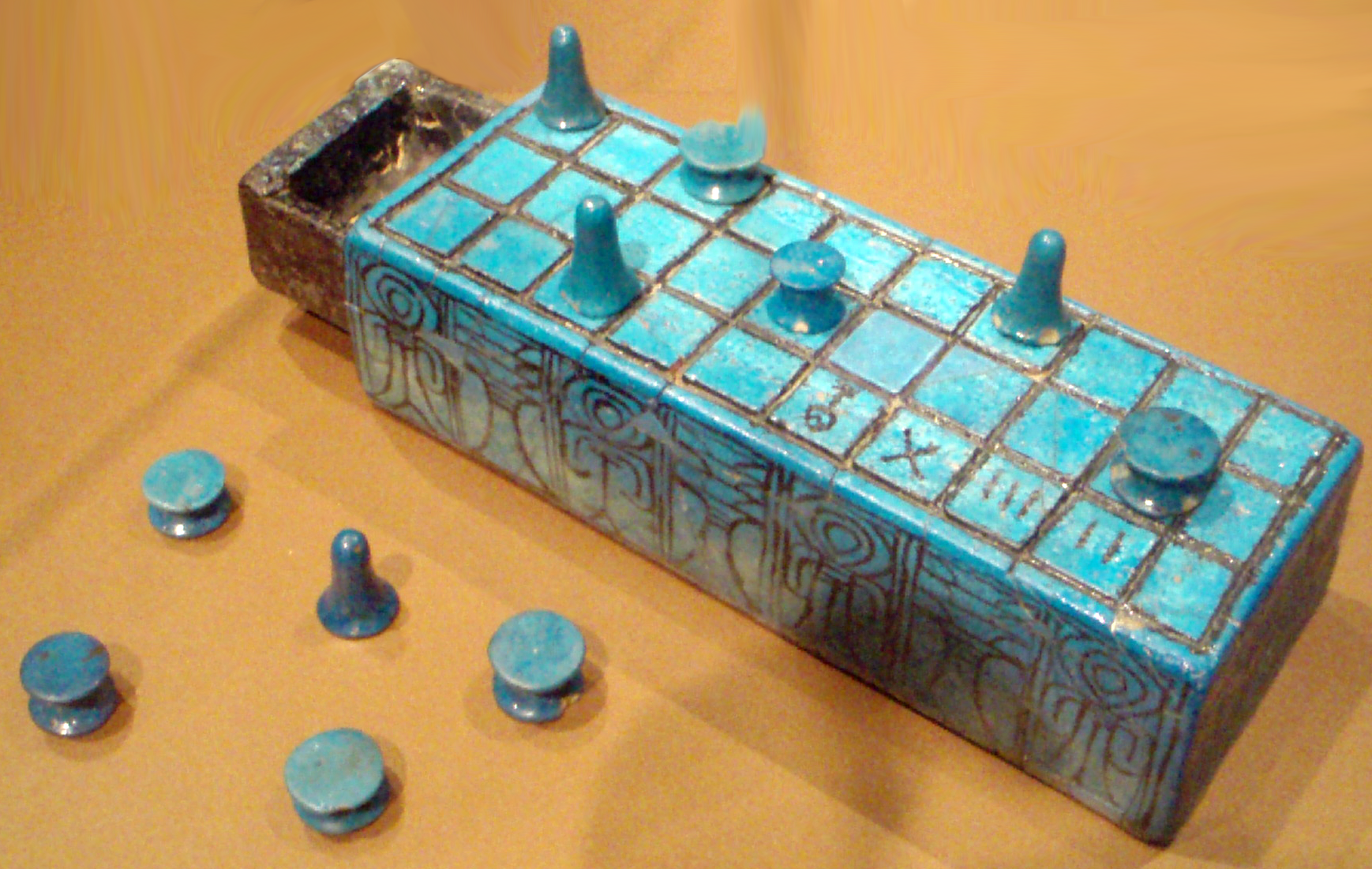 Senet board with secular markings from the Brooklyn Museum, photo by Keith Schengili-Roberts