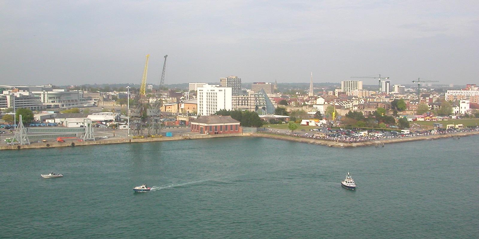 Southampton_from_Aurora_01.JPG?profile=RESIZE_710x