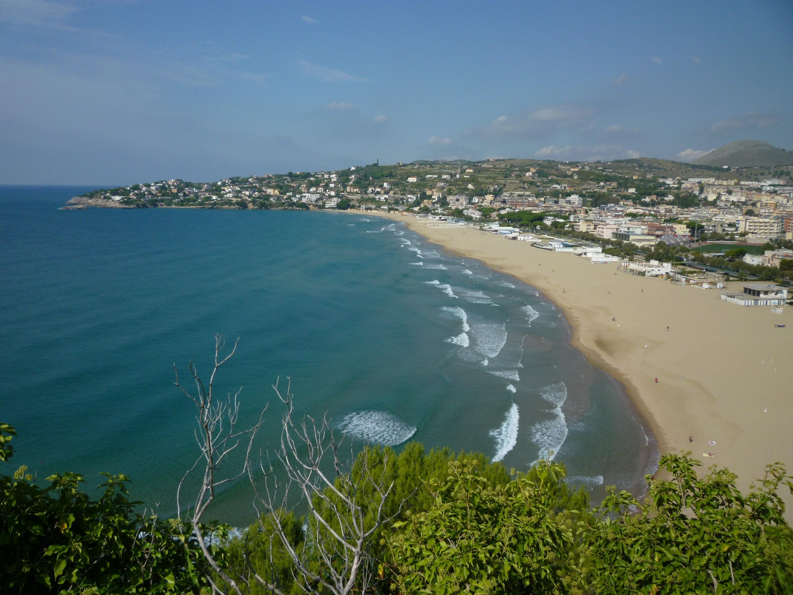 Beaches Near Lido De Solo