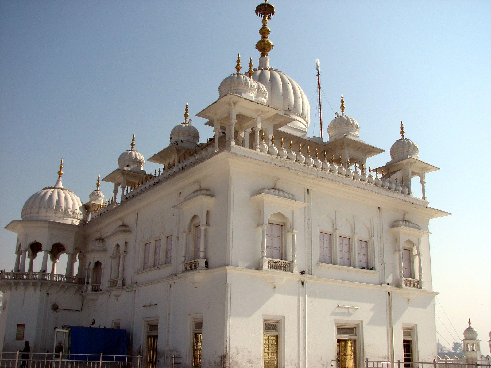 Takht Sri Keshgarh Sahib - Wikipedia