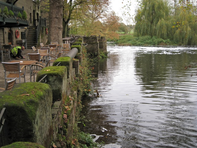 Terrace, Saxon Mill - geograph.org.uk - 1571107