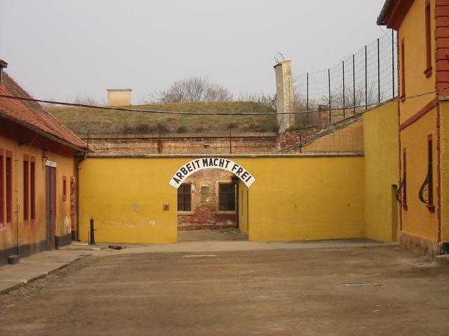 File:Theresienstadt.JPG - Wikimedia Commons