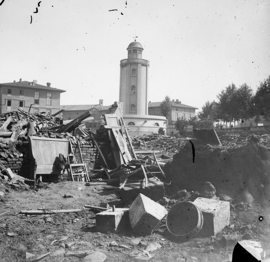 Toulouse , inondations de 1875, Place du château d'eau - Fonds Trutat - MHNT.PHa.1018.18.135 (cropped).jpg