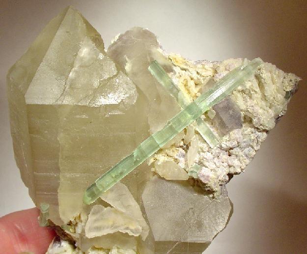 Tourmaline-Quartz-Albite-47561