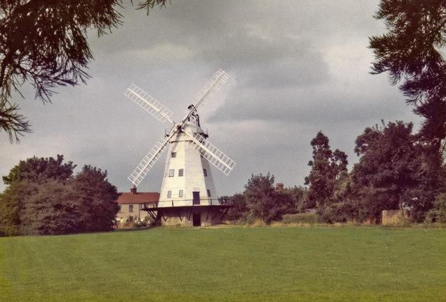 Upminster Windmill - geograph.org.uk - 683216