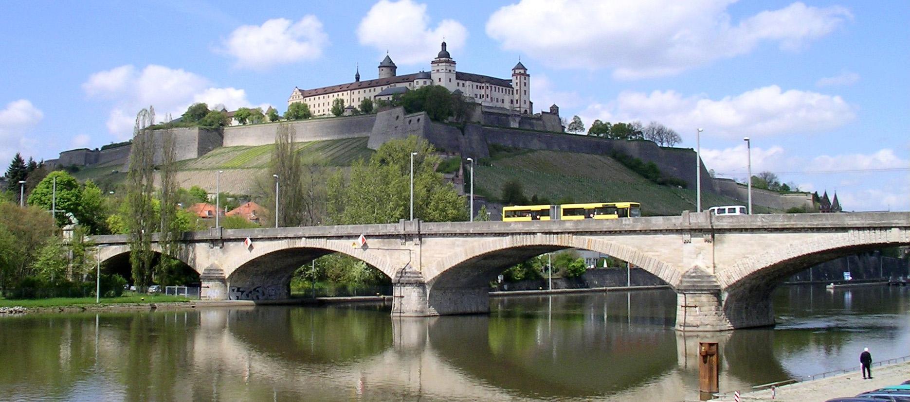 File:Würzburg - Ludwigsbrücke.jpg - Wikimedia Commons