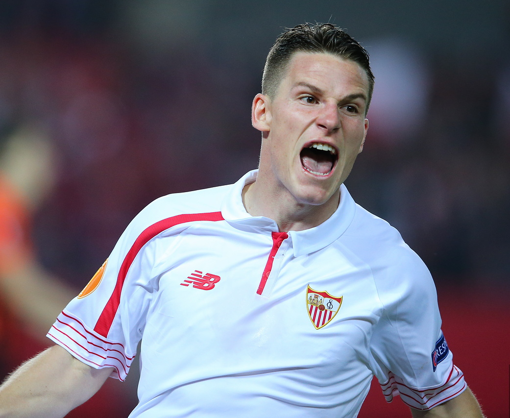 The 31-year old son of father (?) and mother(?) Kevin Gameiro in 2018 photo. Kevin Gameiro earned a  million dollar salary - leaving the net worth at 5 million in 2018