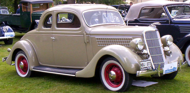 Ford Build Your Own >> File:1935 Ford Model 48 770 De Luxe Coupe NBJ077 2.jpg - Wikimedia Commons