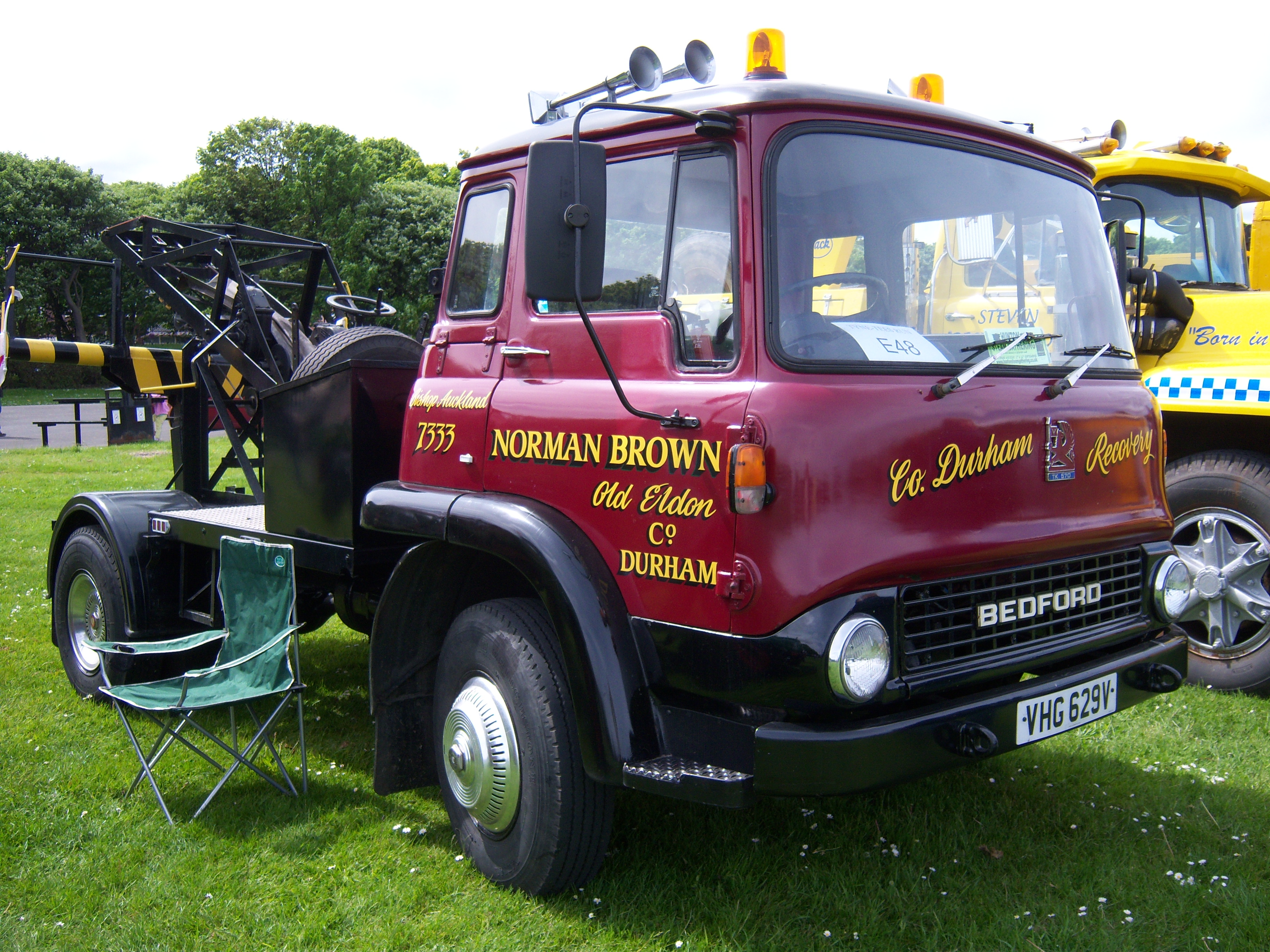 Ford Work Trucks File:1979 Bedford TK 560 (VHG 629V) recovery truck, 2012 ...