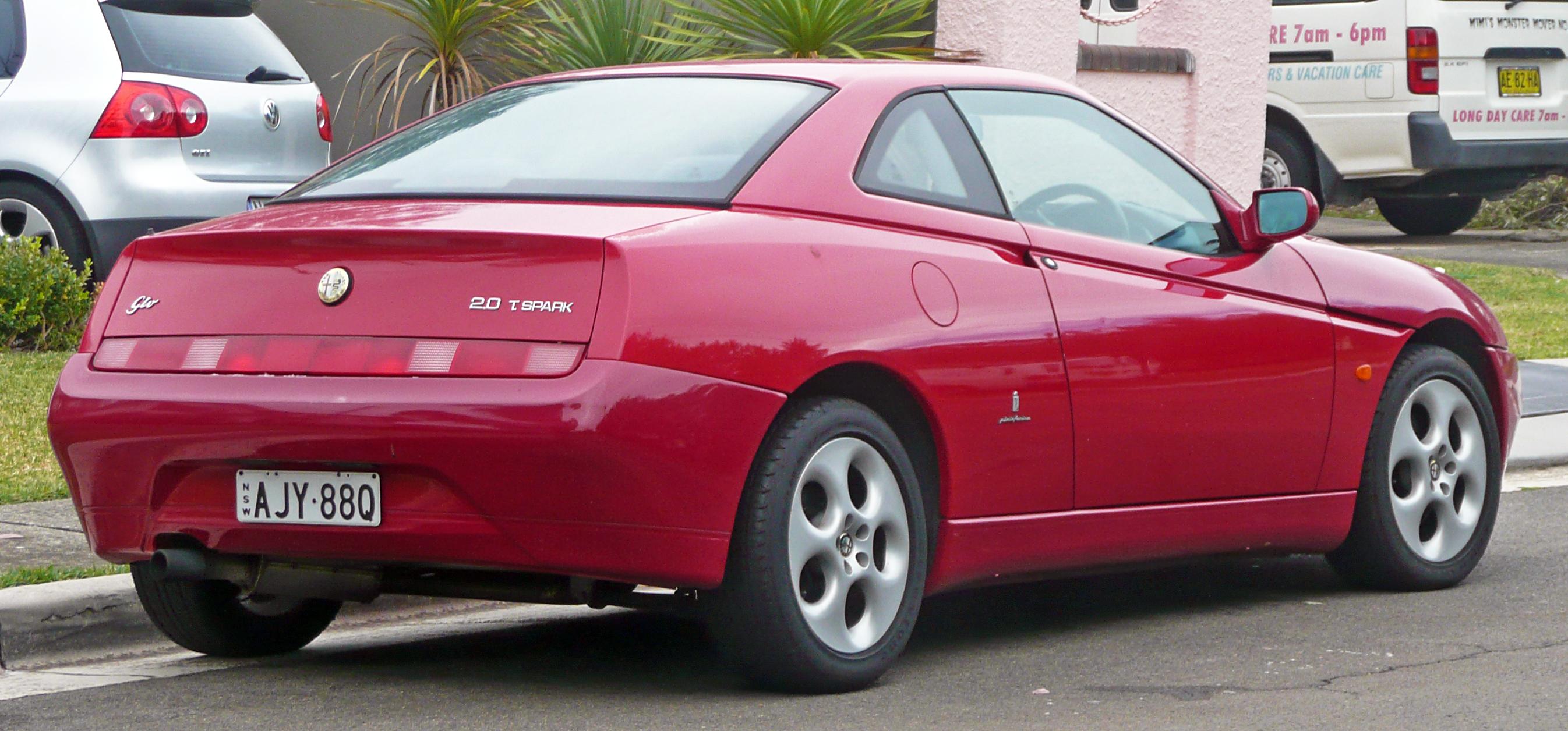 File:1998-2003 Alfa Romeo GTV Twin Spark coupe 03.jpg ...