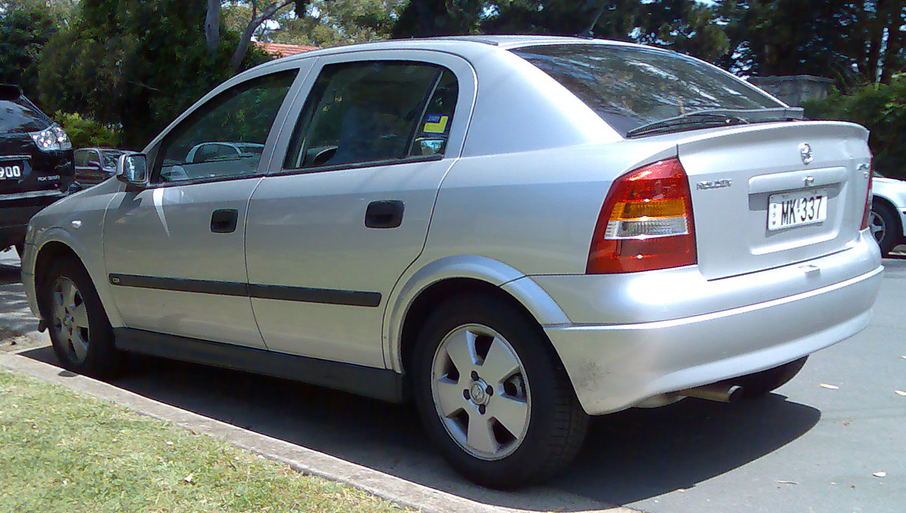 File 2001 2004 Holden Astra Ts Cd 5 Door Hatchback 2008