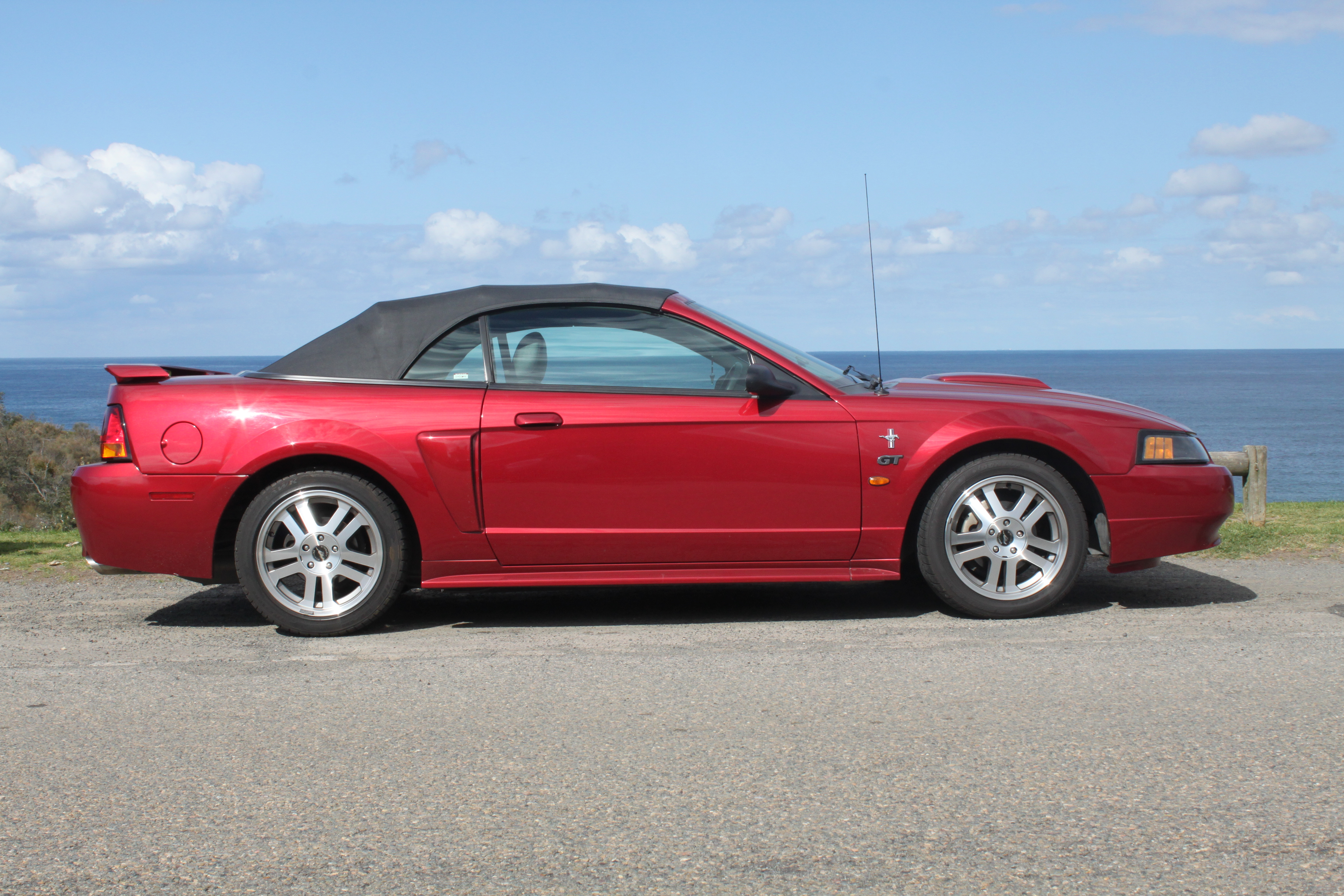File2004 ford mustang gt convertible 21322795129 jpg