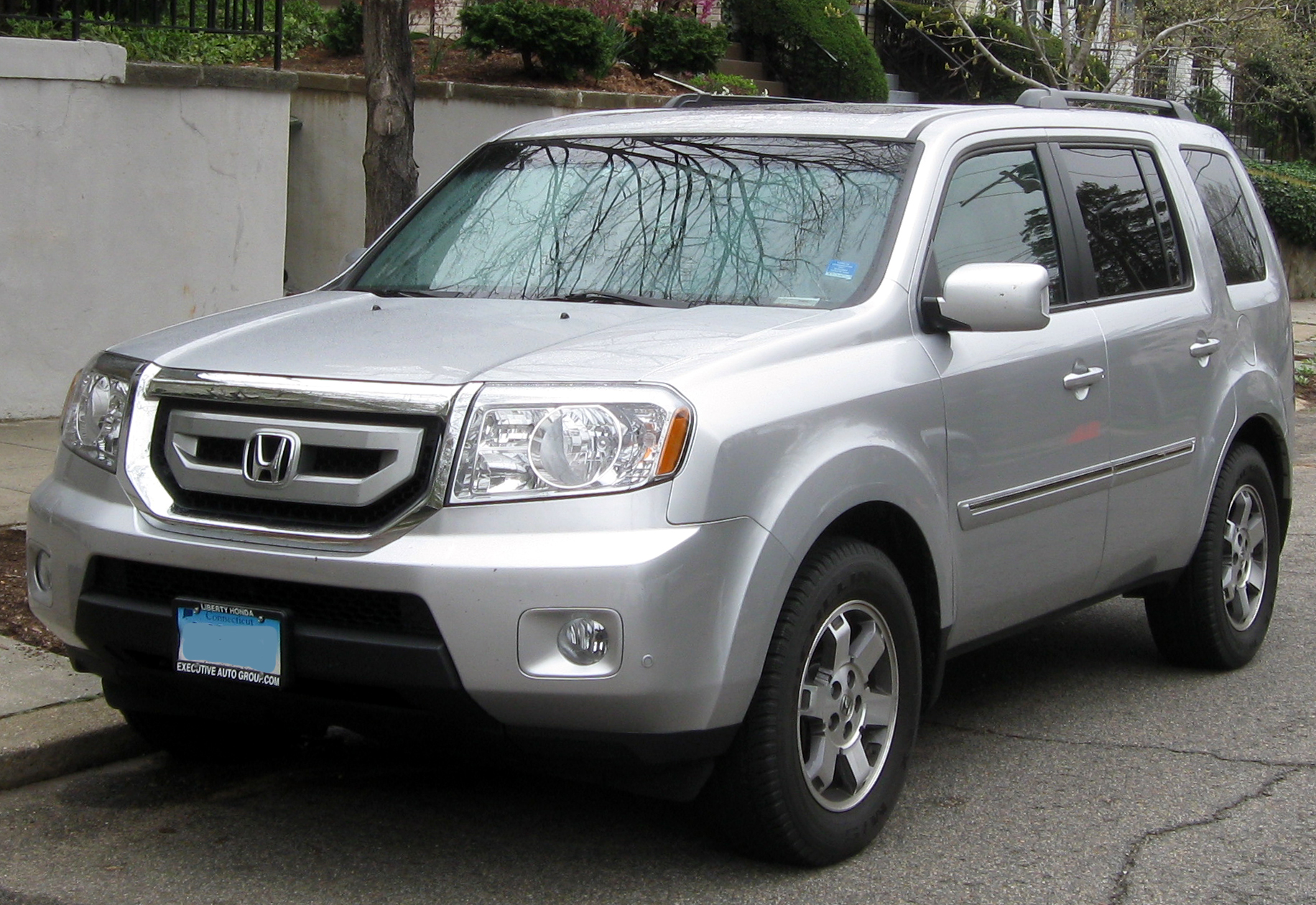 File:2009-2011 Honda Pilot -- 03-21-2012.JPG - Wikimedia Commons