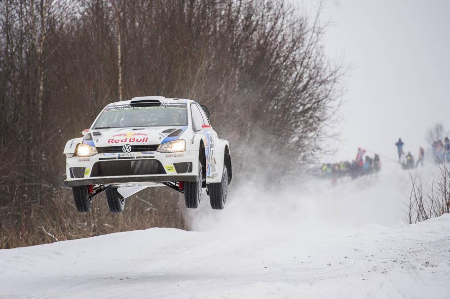 https://upload.wikimedia.org/wikipedia/commons/e/e1/2014_rally_sweden_by_2eight_dsc7820.jpg