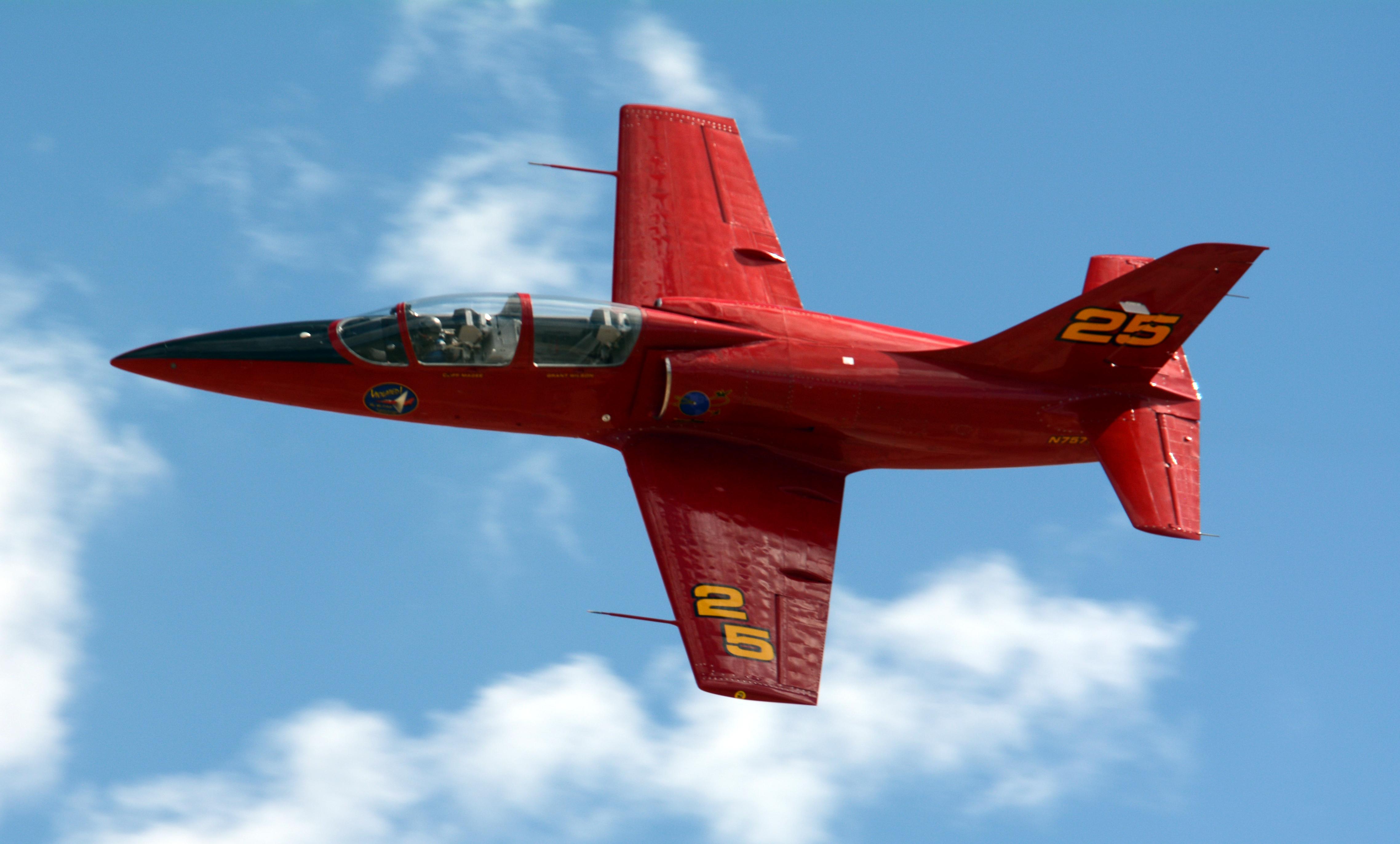 ملف:24 L-39 (N-757SF) Violated Reno Air Race 2014 photo D