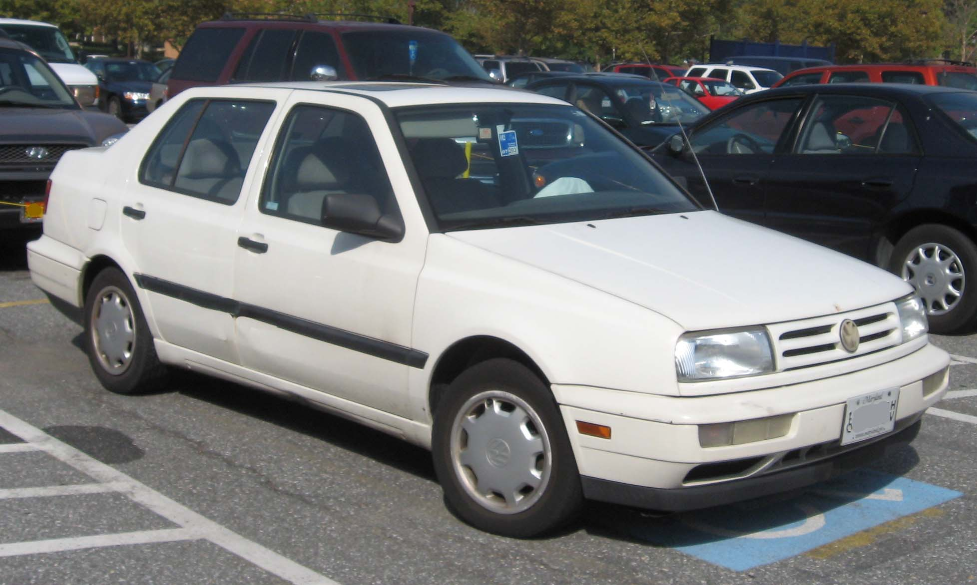 Description 93-95 Volkswagen Jetta.jpg