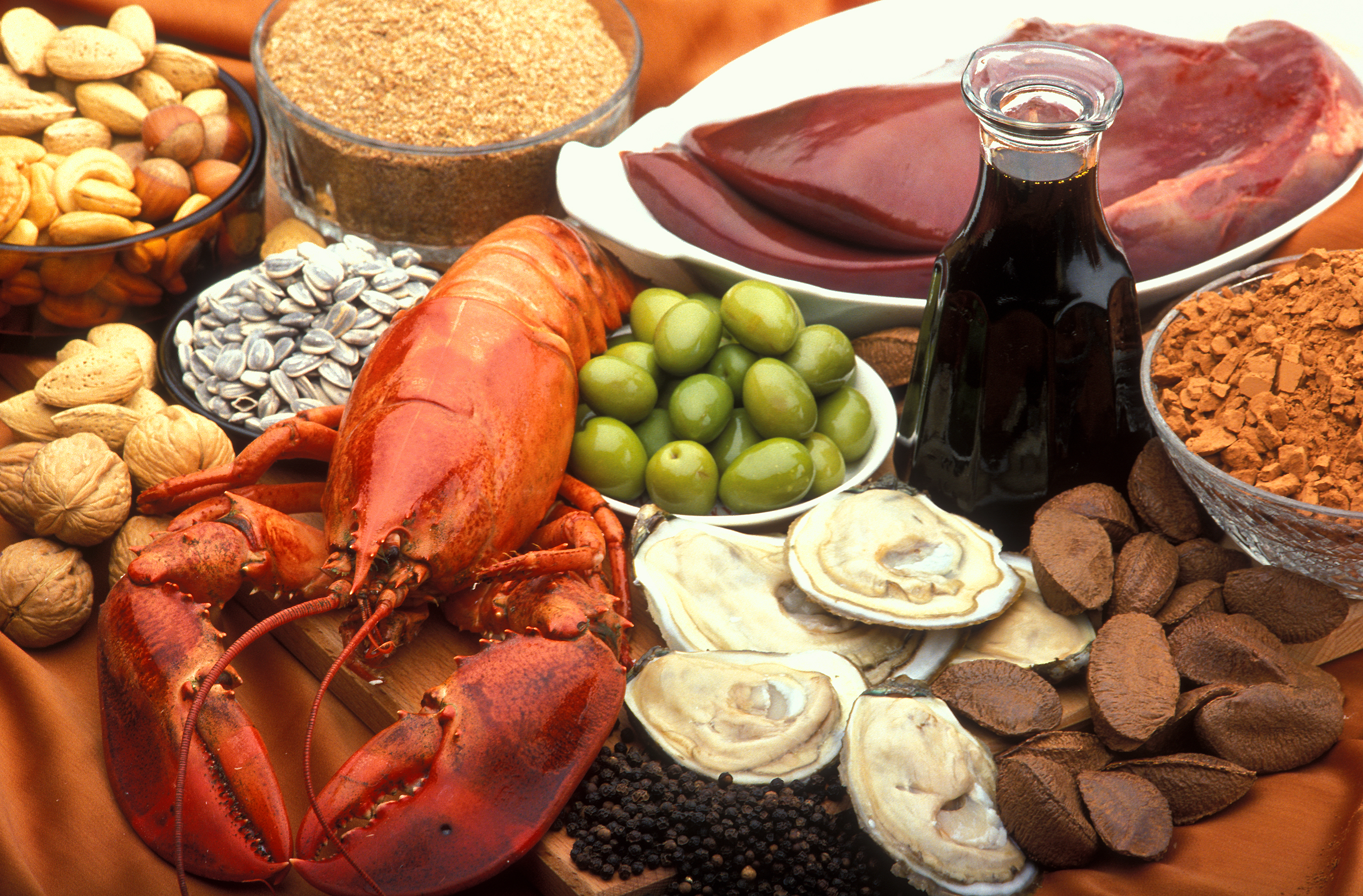 ichsourcesofcopperincludeoysters,beefandlambliver,razilnuts,blackstrapmolasses,cocoa,andblackpepper.oodsourcesincludelobster,nutsandsunflowerseeds,greenolives,avocados,andwheatbran.