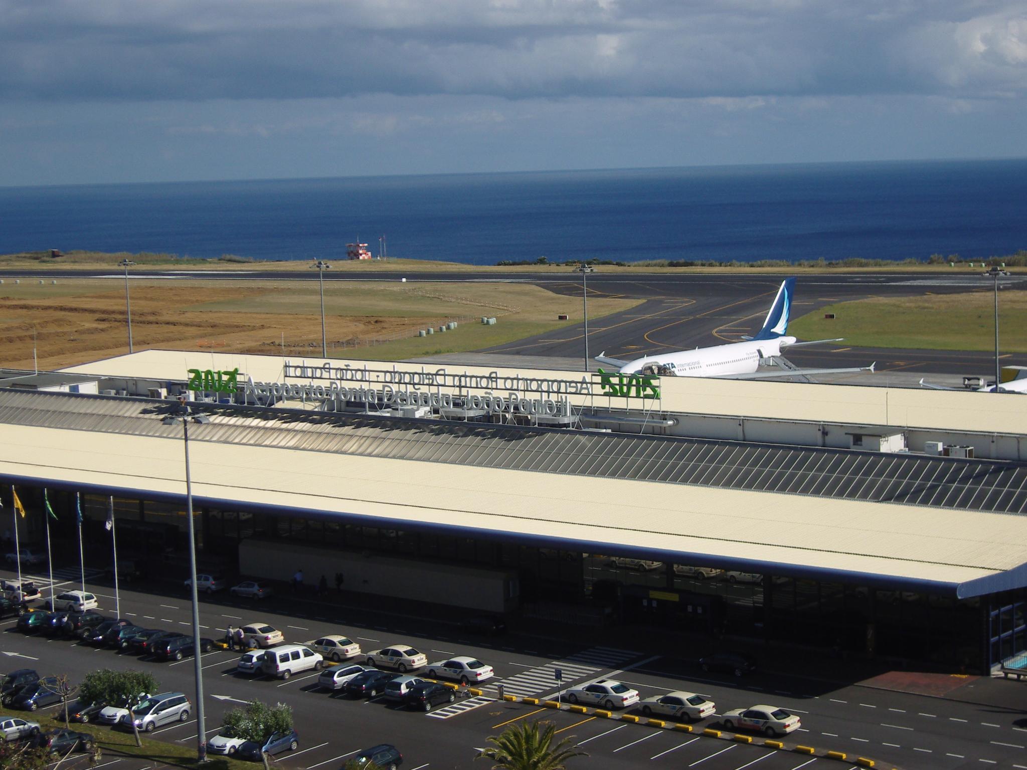 João Paulo II Airport - Wikipedia