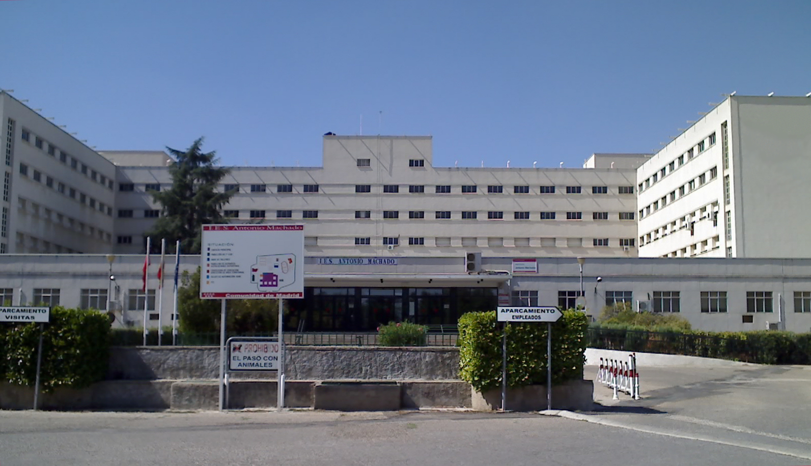 Universidad Laboral De Alcalá De Henares Wikipedia La