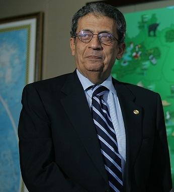 مرشحي الرئاسة المصرية 2011 + نبذه عنهم  Amre_Moussa_2005