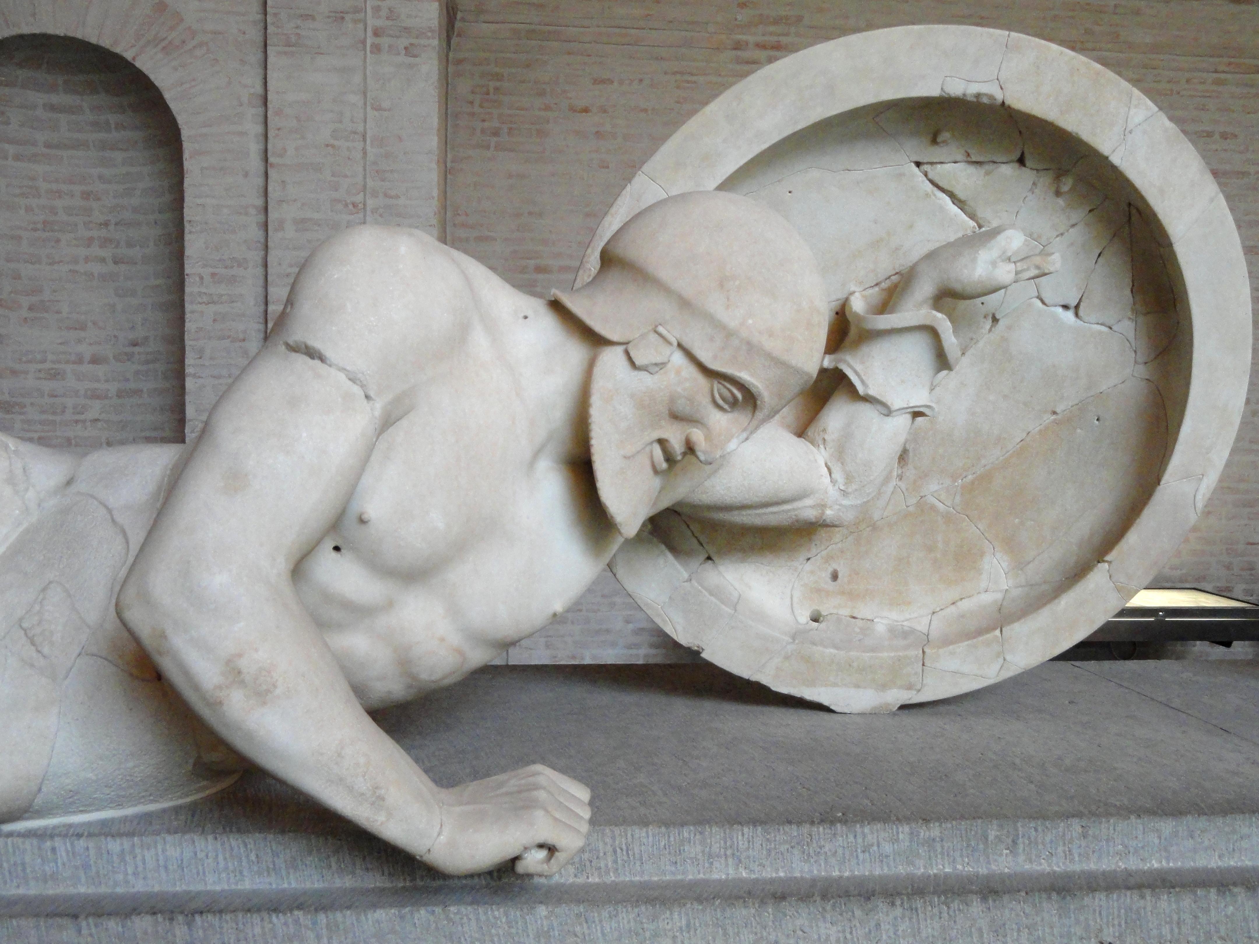 Grčko vajarstvo Aphaia_pediment_Laomedon_E-XI_Glyptothek_Munich_85_n2
