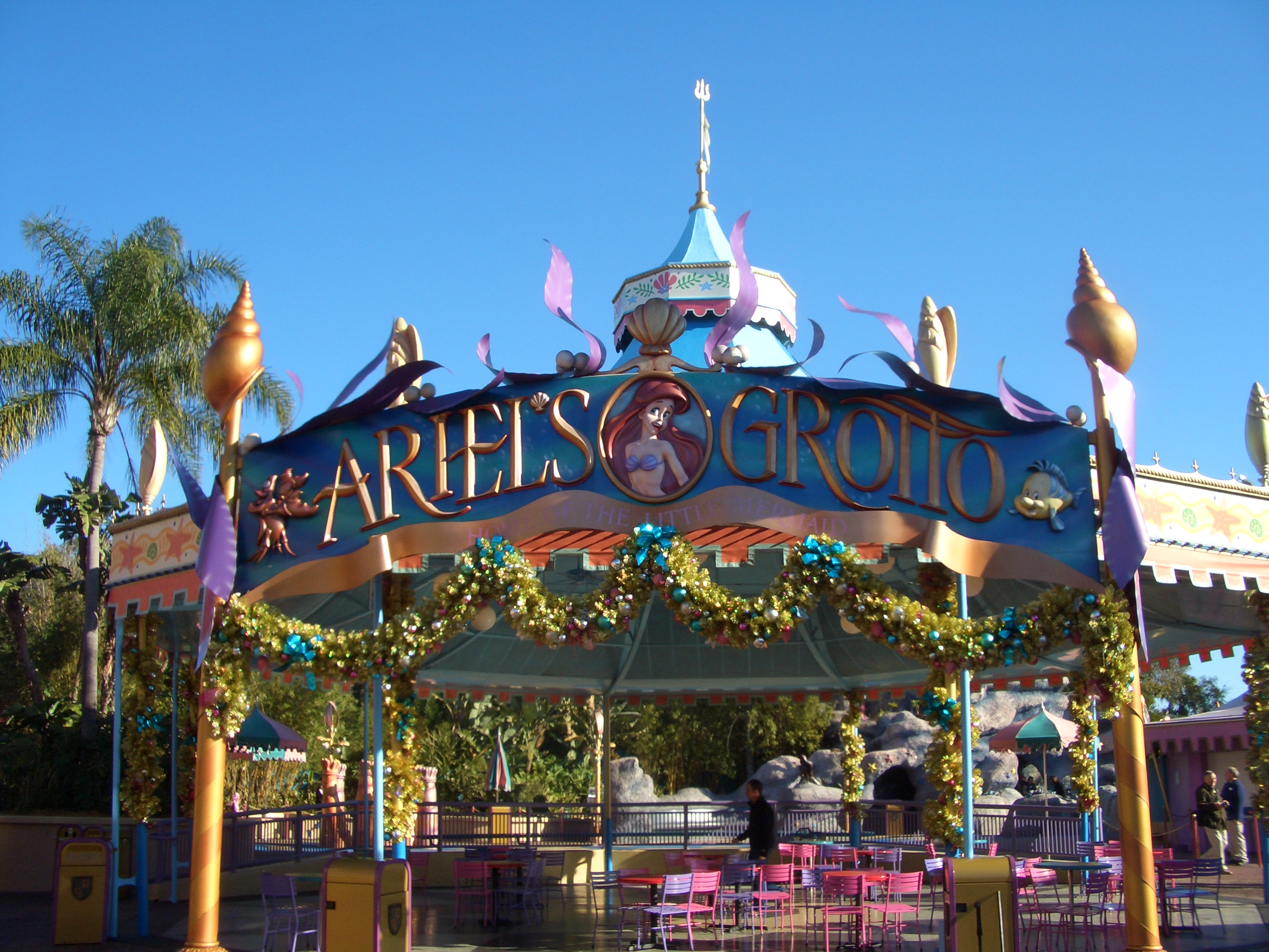 File Ariel S Grotto Fantasyland Jpg Wikimedia Commons