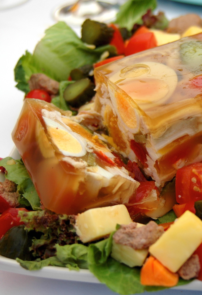 Aspic wikipedia for What is fish food made of