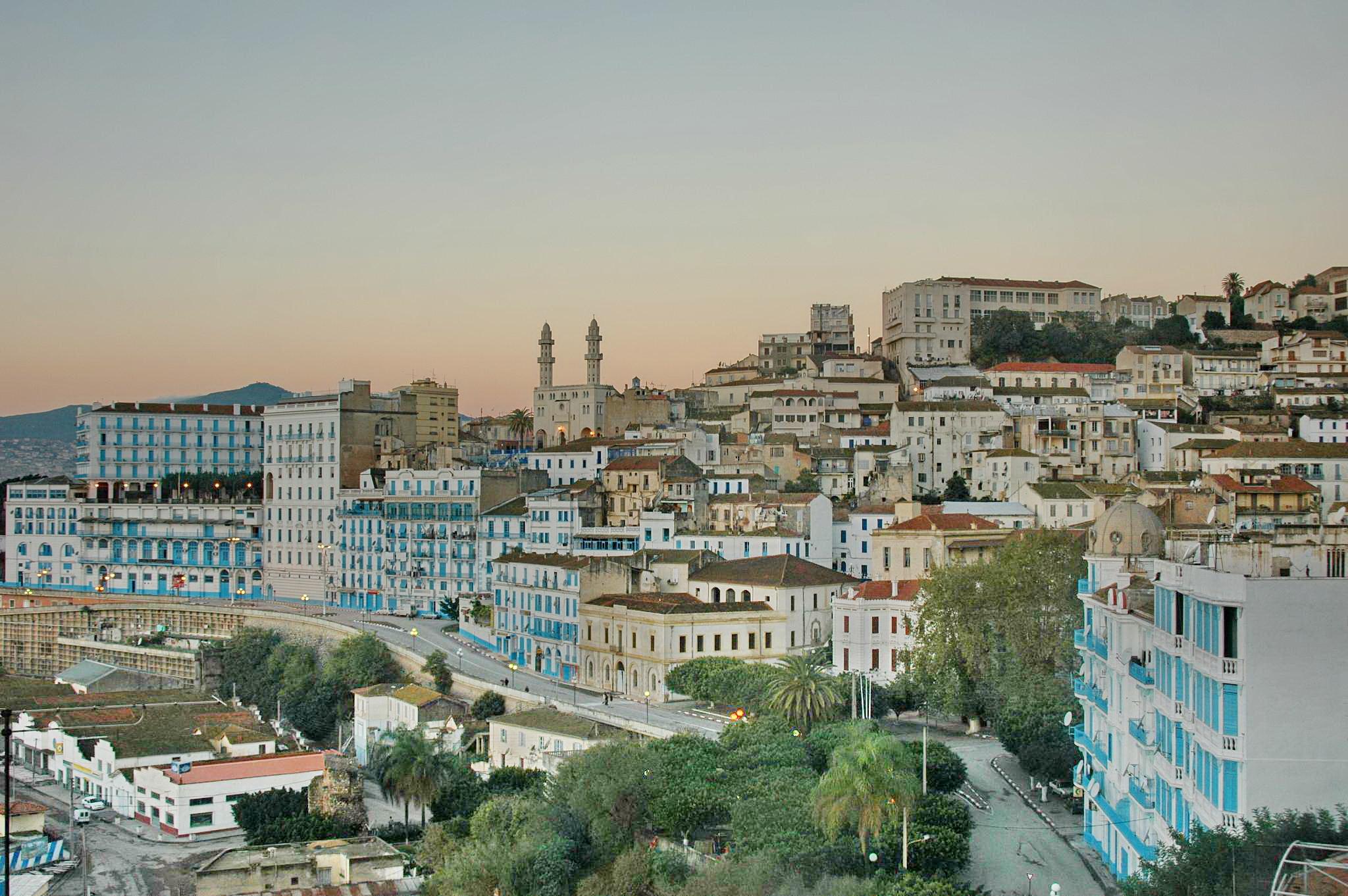 Béjaïa, la ville Bougie. B%C3%A9ja%C3%AFa_facade