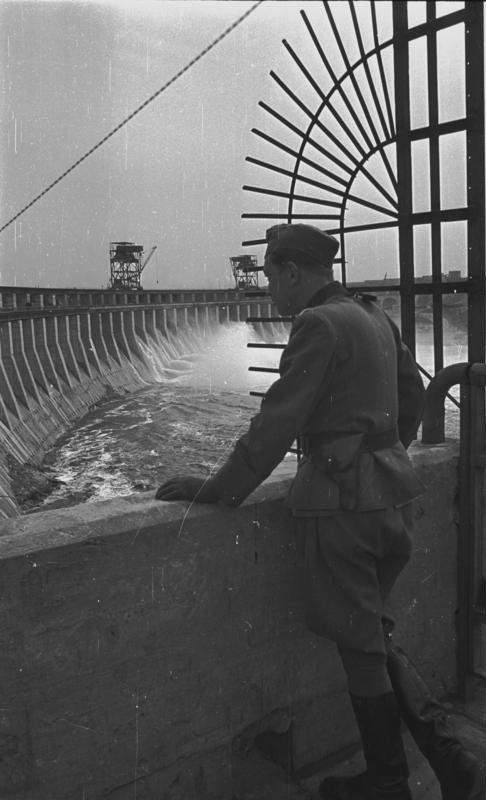 Soubor:Bundesarchiv Bild 183-B0121-0010-023, Berlin, VI