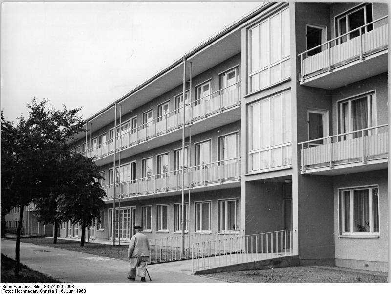 datei bundesarchiv bild 183 74020 0008 berlin krankenpflegeheim grabensprung. Black Bedroom Furniture Sets. Home Design Ideas