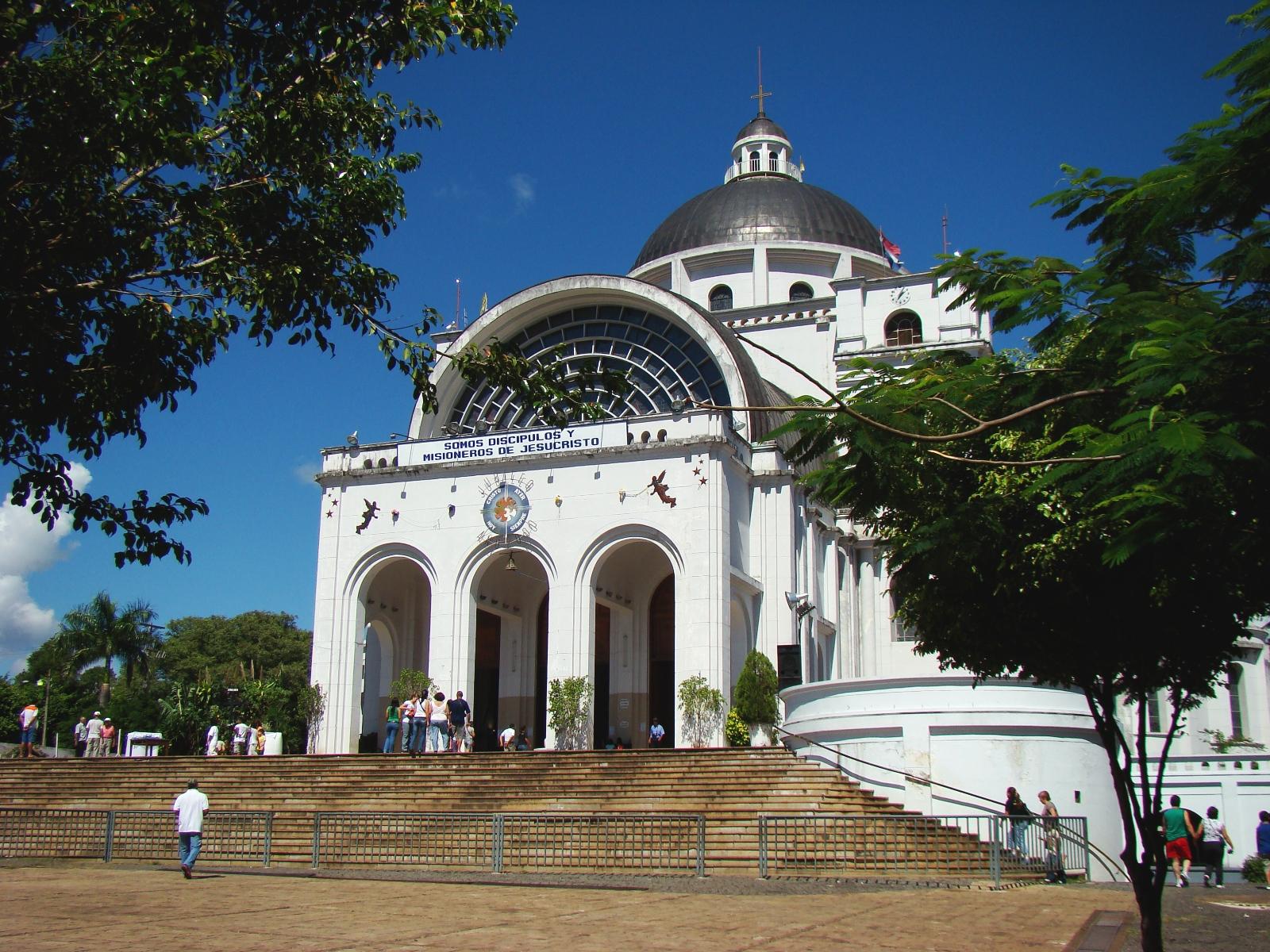 Basilika de la Virgen de los Milagros, Caacupe