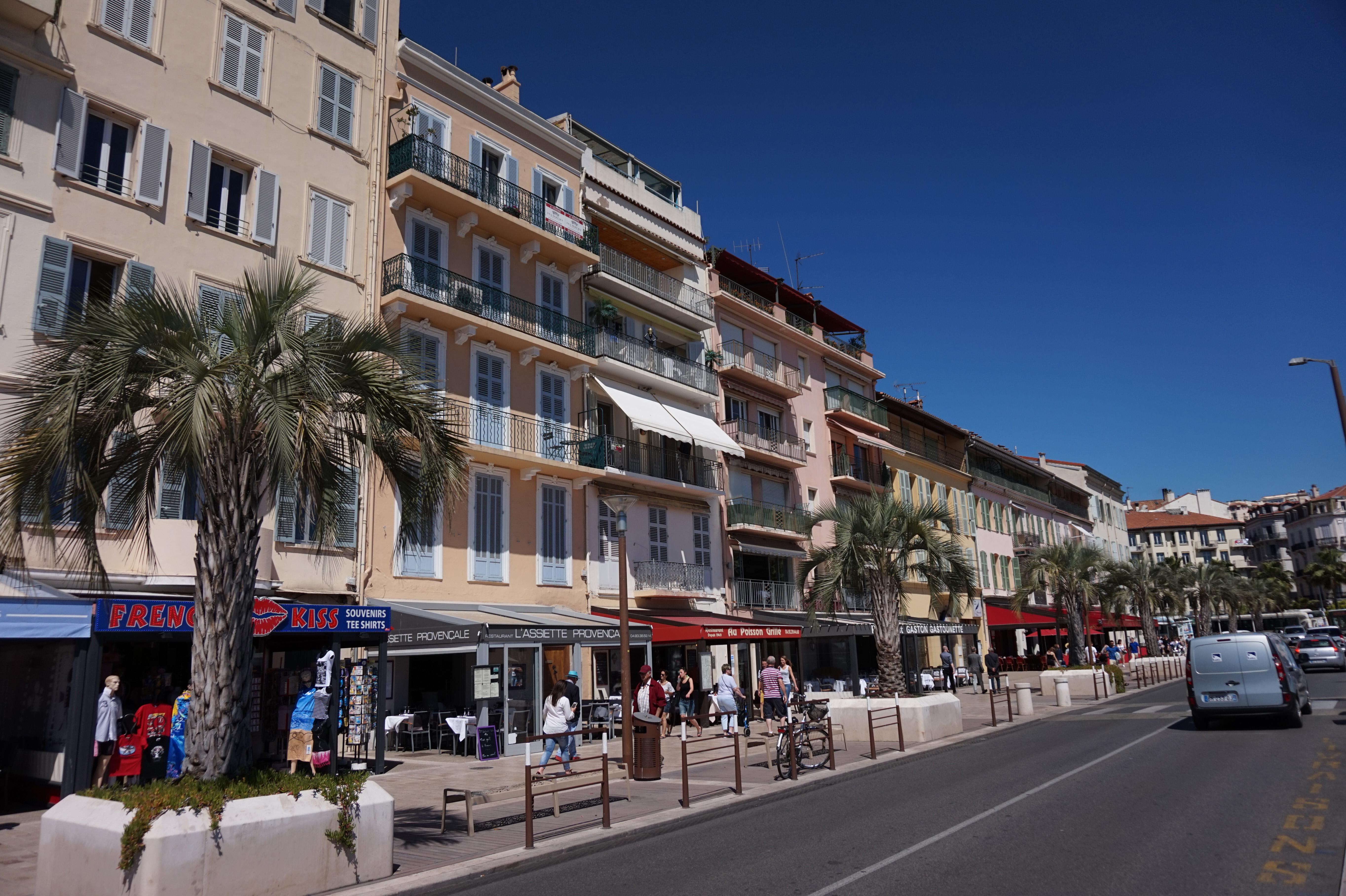 File cannes quai saint wikimedia commons for Boussy saint antoine piscine