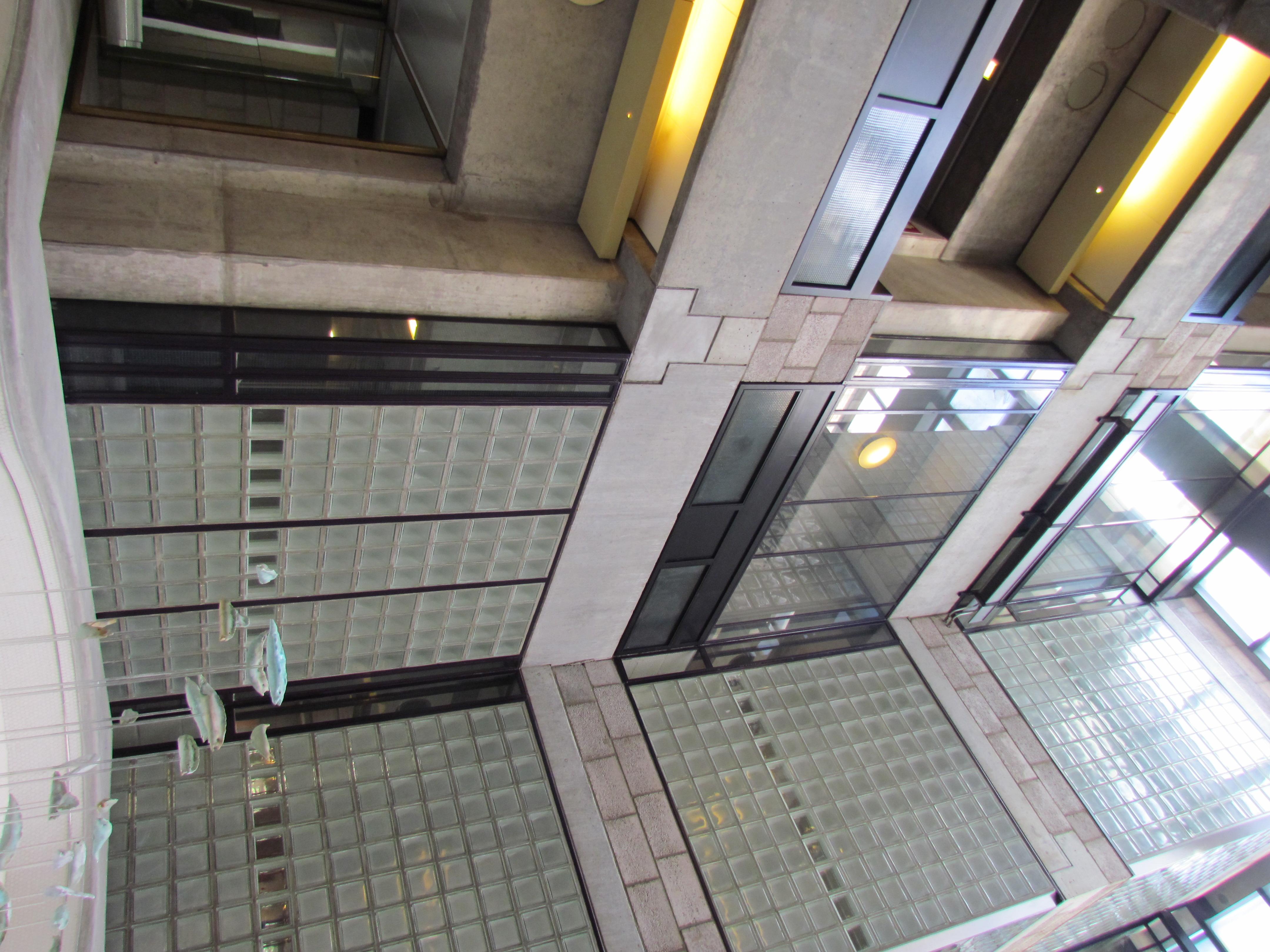 File:Centraal Beheergebouw van Herman Hertzberger, interieur (2).jpg ...