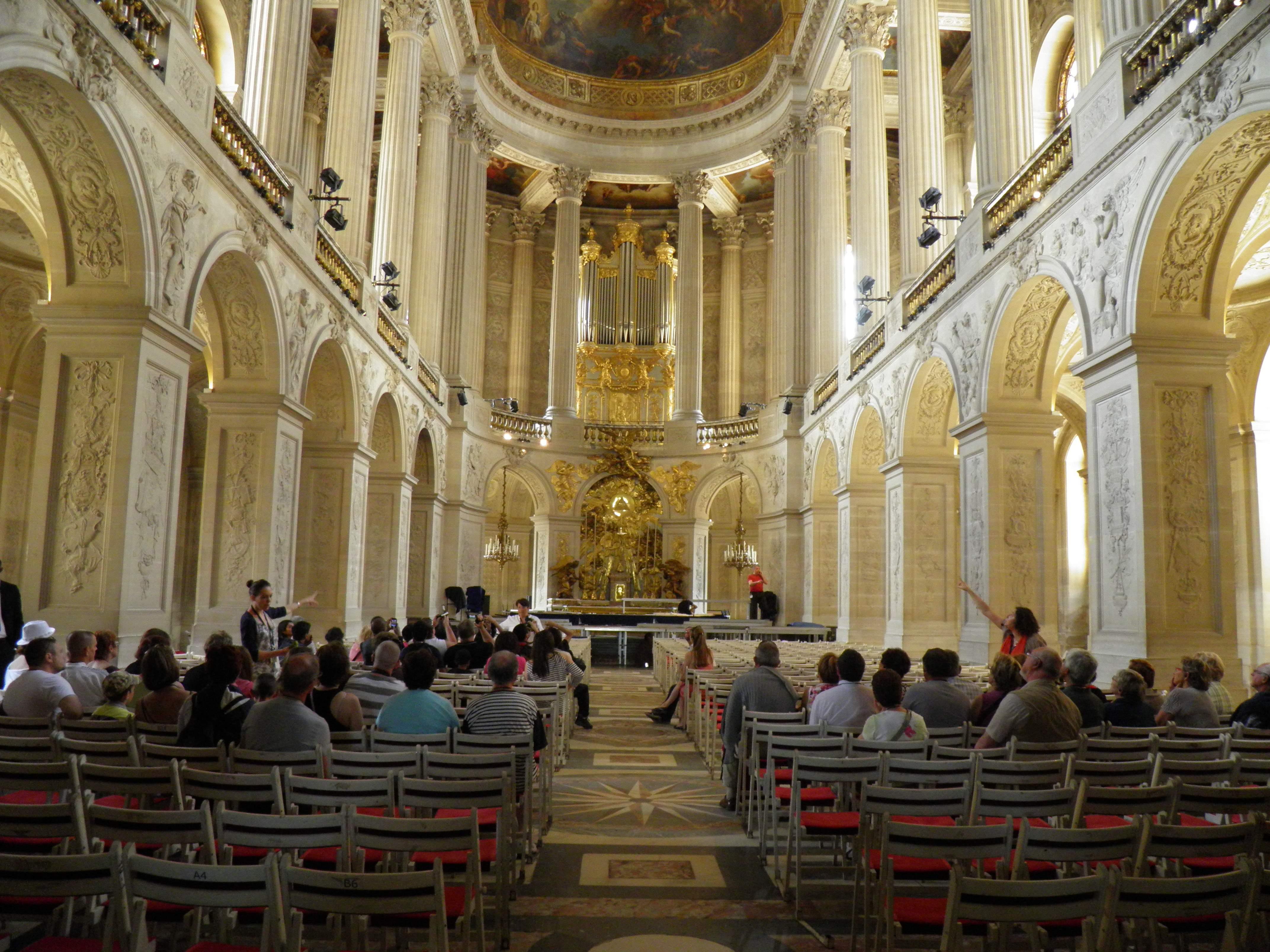 File:Château de Versailles - Chapelle - Intérieur, rez-de-chaussée ...