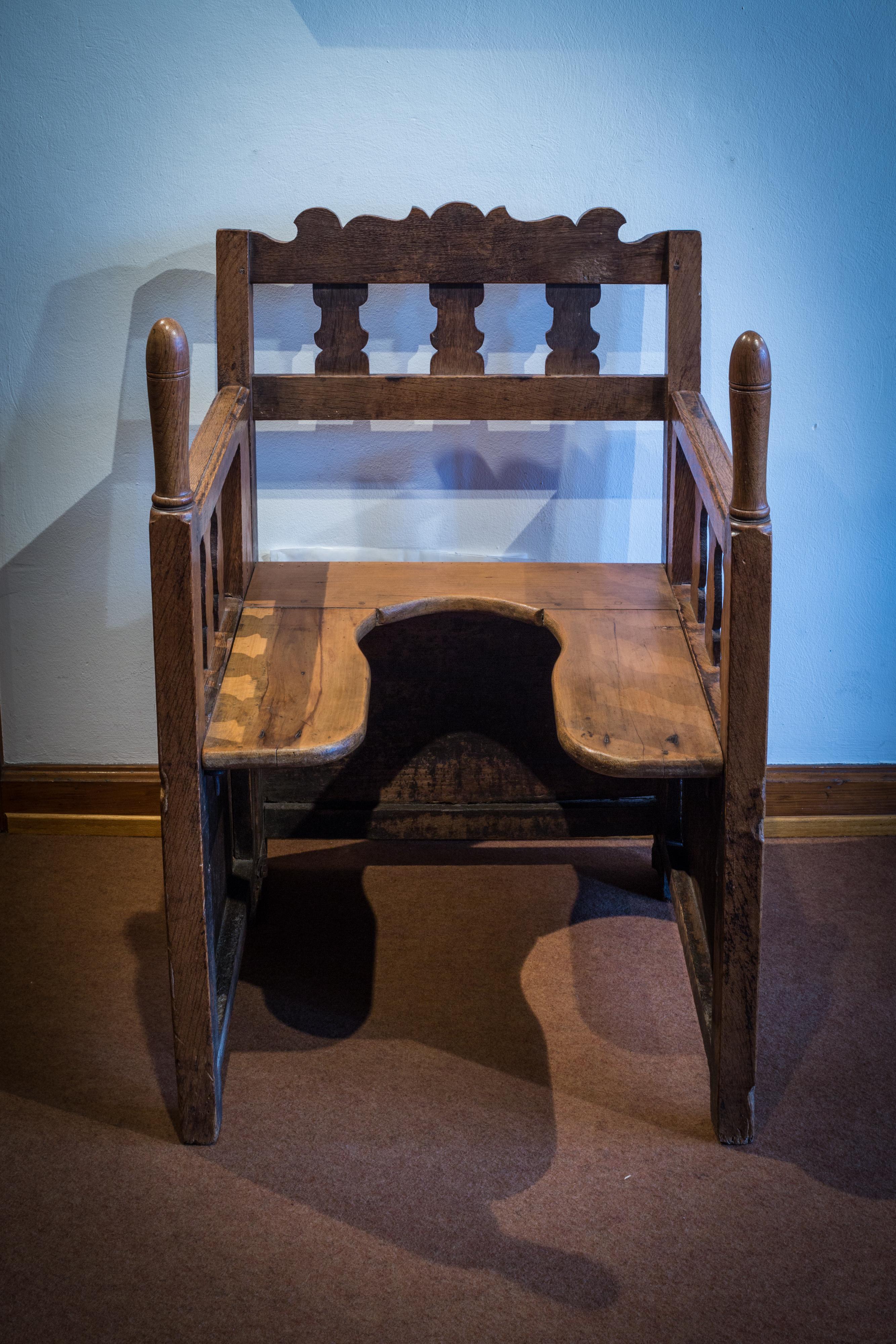 chaise d'accouchement