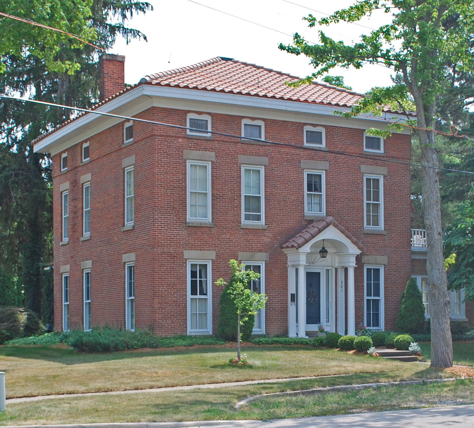 Colwell House Fenton MI.jpg