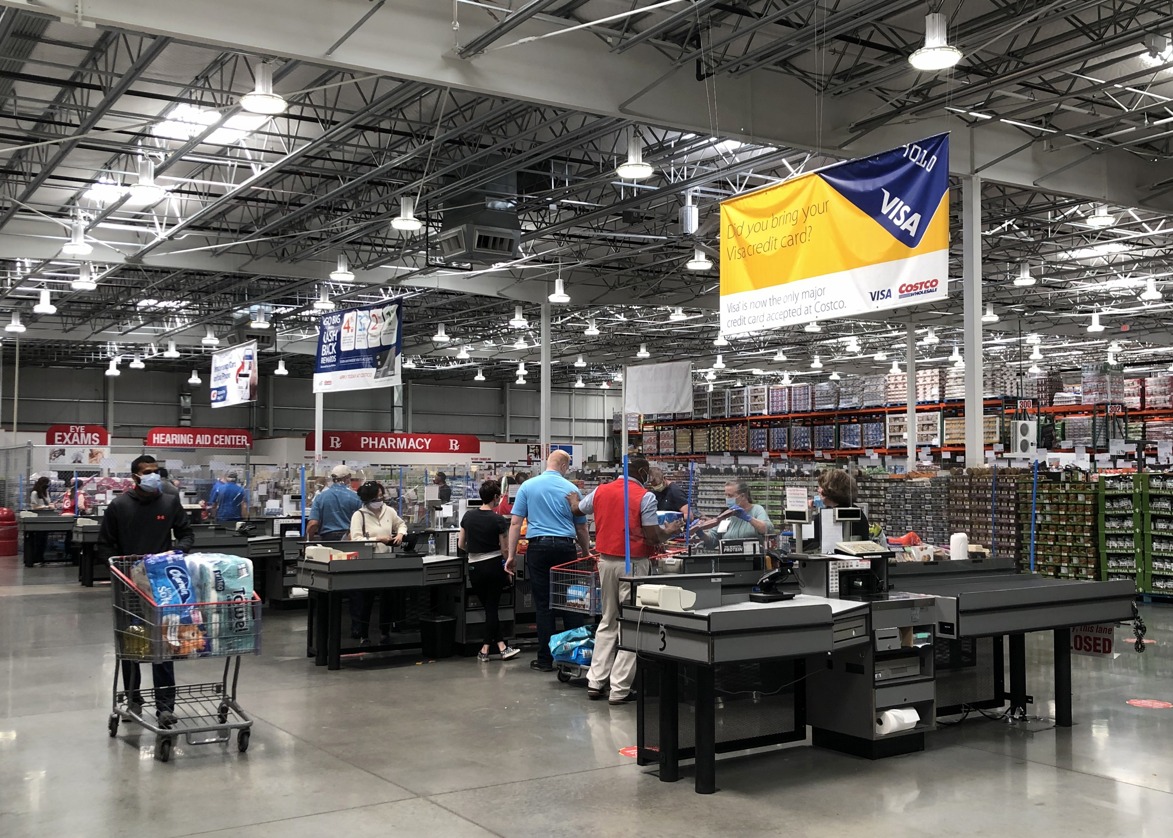 File:Costco (Plain City, Ohio) - COVID-19 countermeasures at checkout.jpg -  Wikimedia Commons