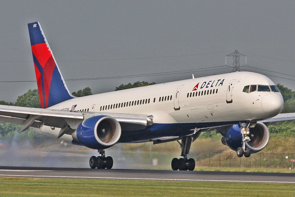 file delta airlines b757 n717tw 4281580663 jpg wikimedia commons