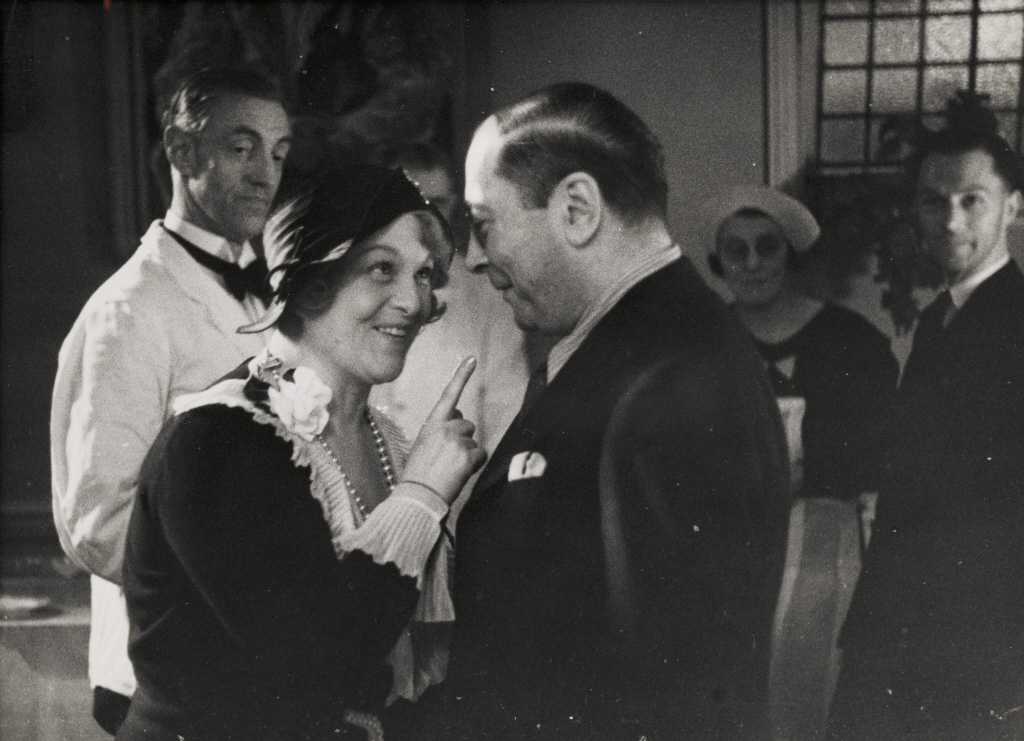 Margrethe baddar at bill